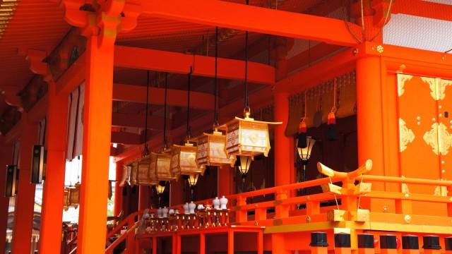 伏見稲荷大社の美しい本殿