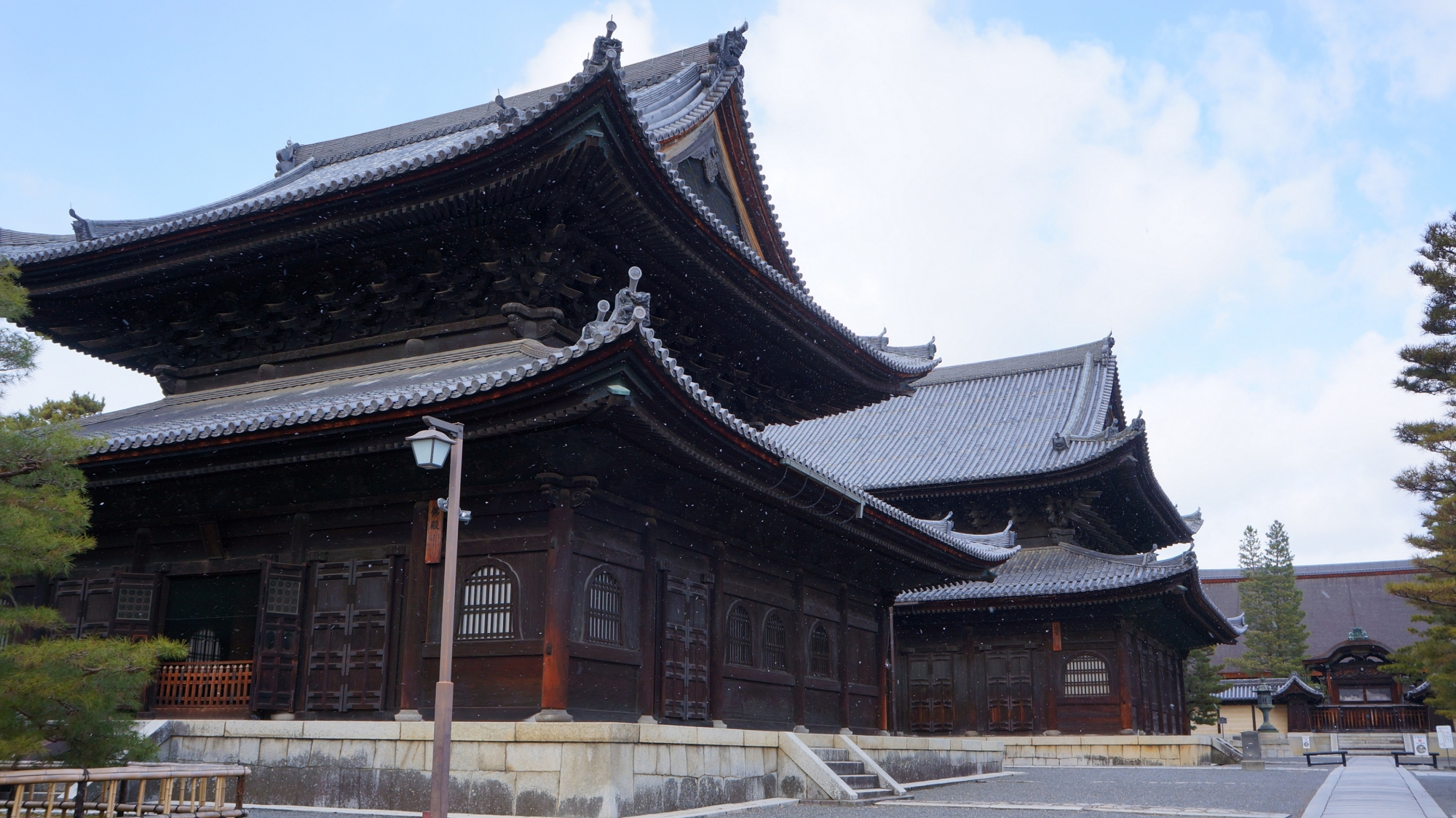 妙心寺の壮大な仏殿と法堂