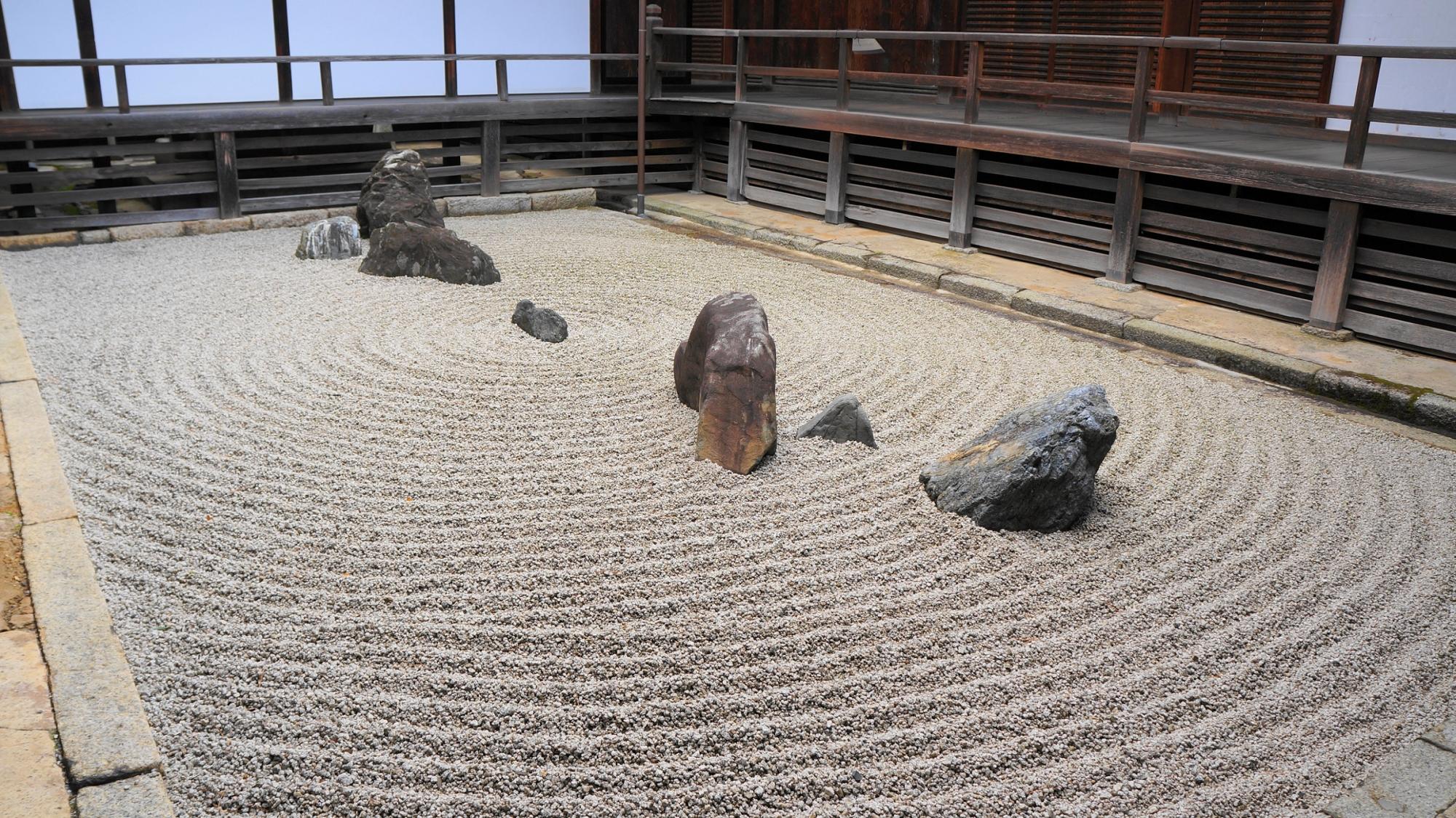 妙心寺 東海庵の趣きある用の庭(坪庭)