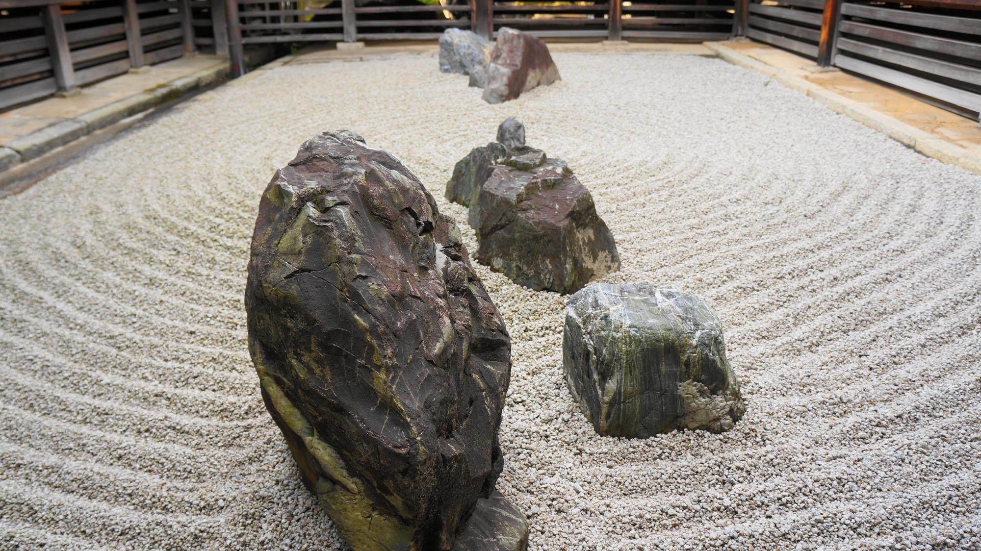 妙心寺の東海庵の美しい用の庭(坪庭)