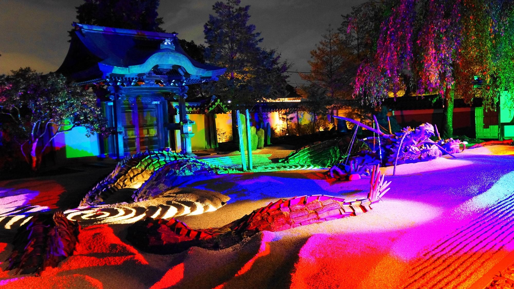 高台寺 龍 方丈庭園 幻想的 ライトアップ