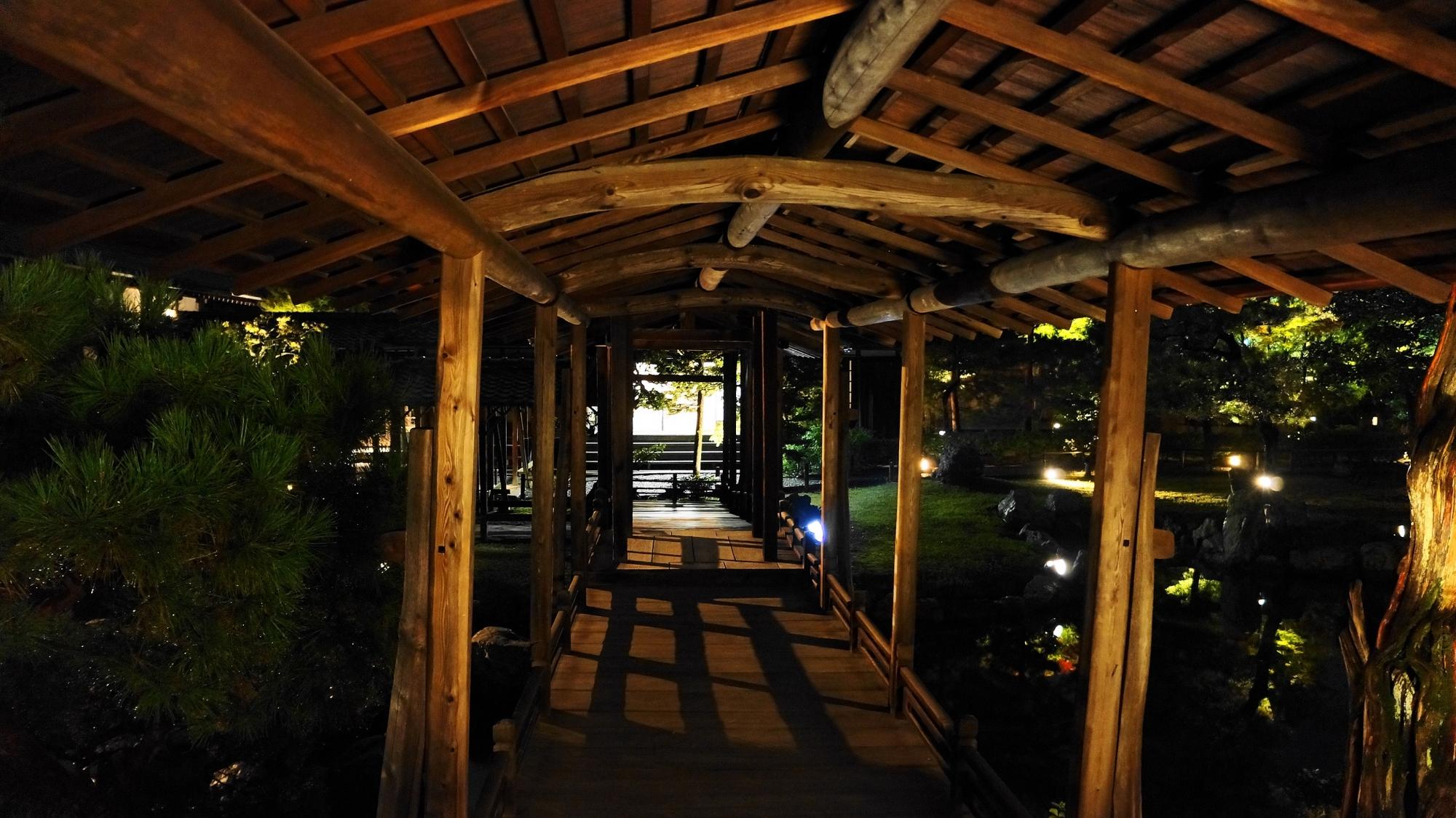 観月台 ライトアップ 高台寺 秋