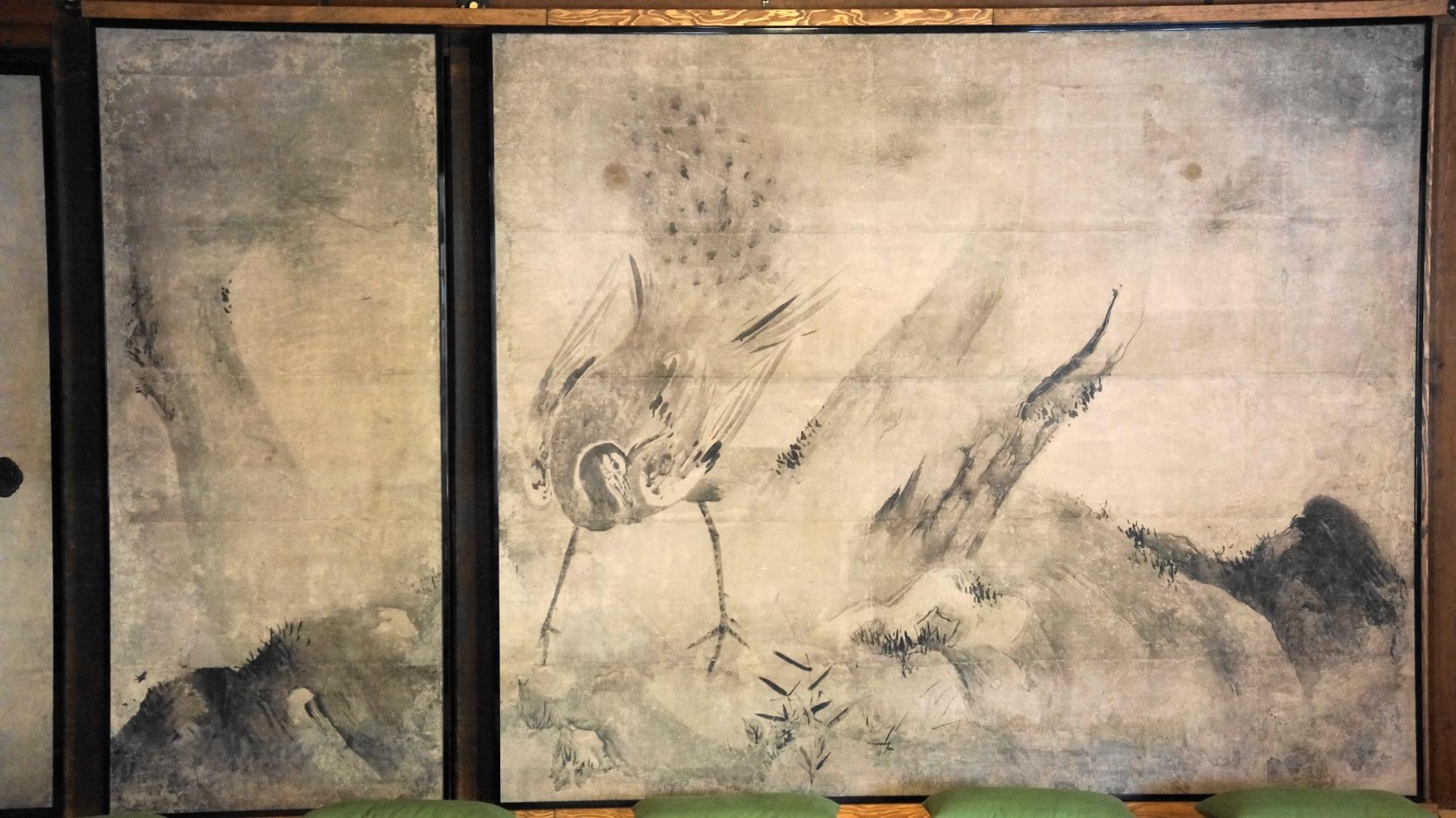 建仁寺の美しい花鳥図襖