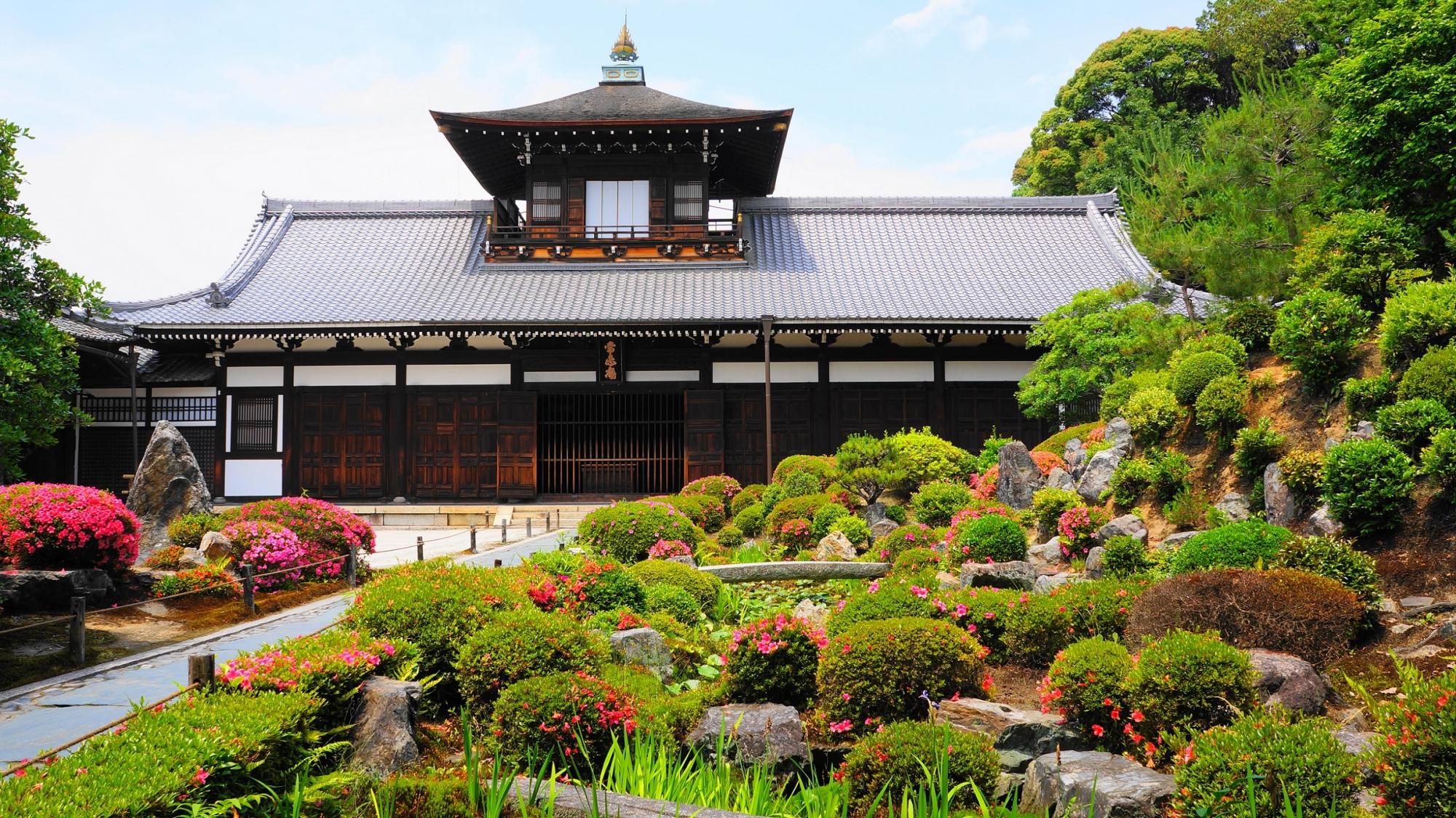 東福寺の素晴らしいサツキと伽藍と春の情景