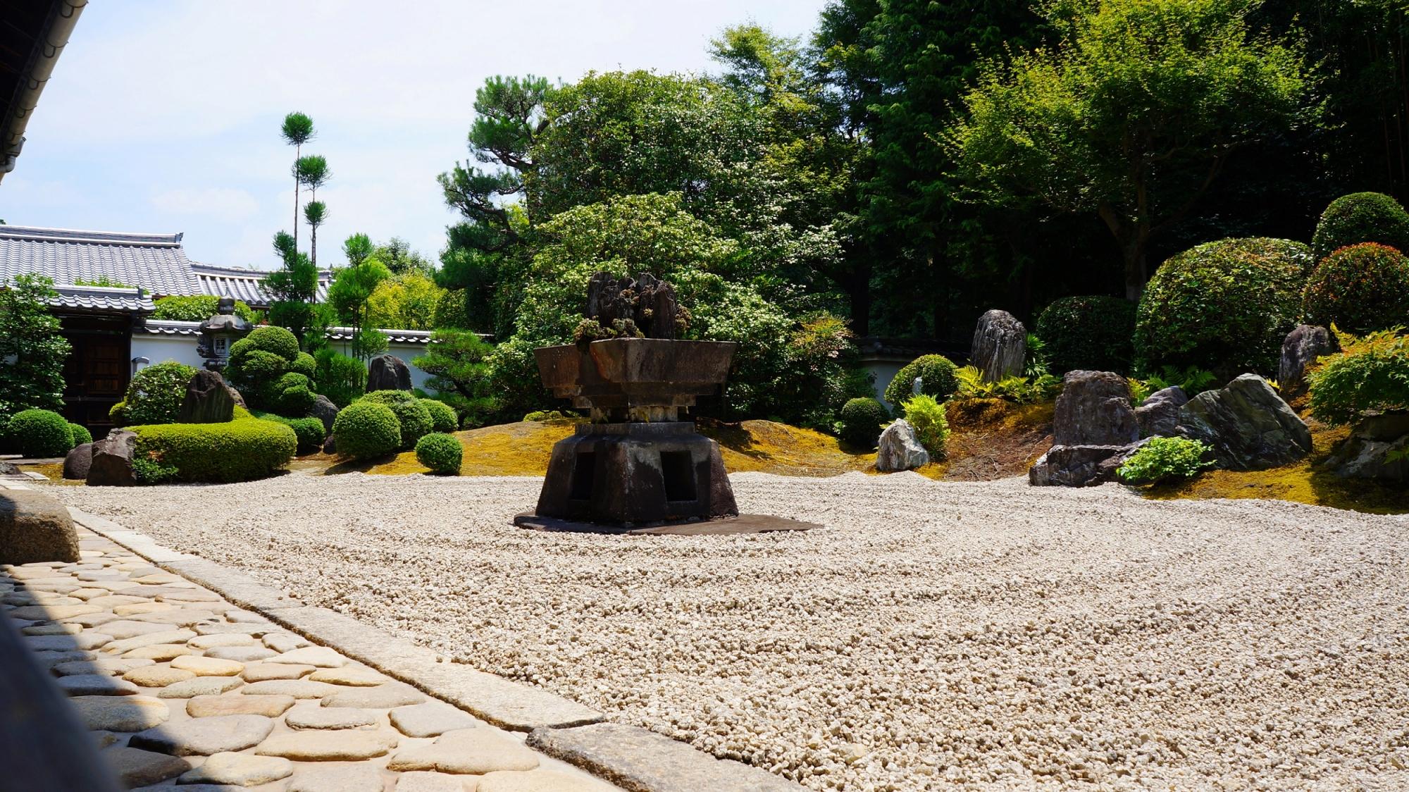 九山八海の庭と臥雲の庭