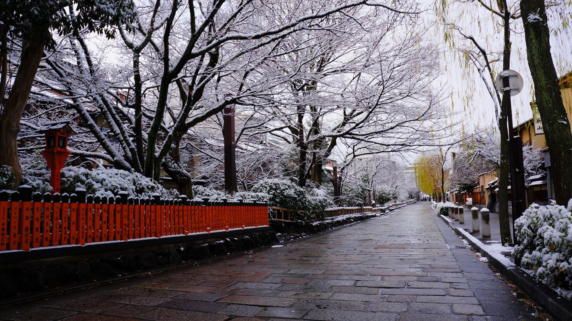 高画質 写真 祇園白川 雪景色