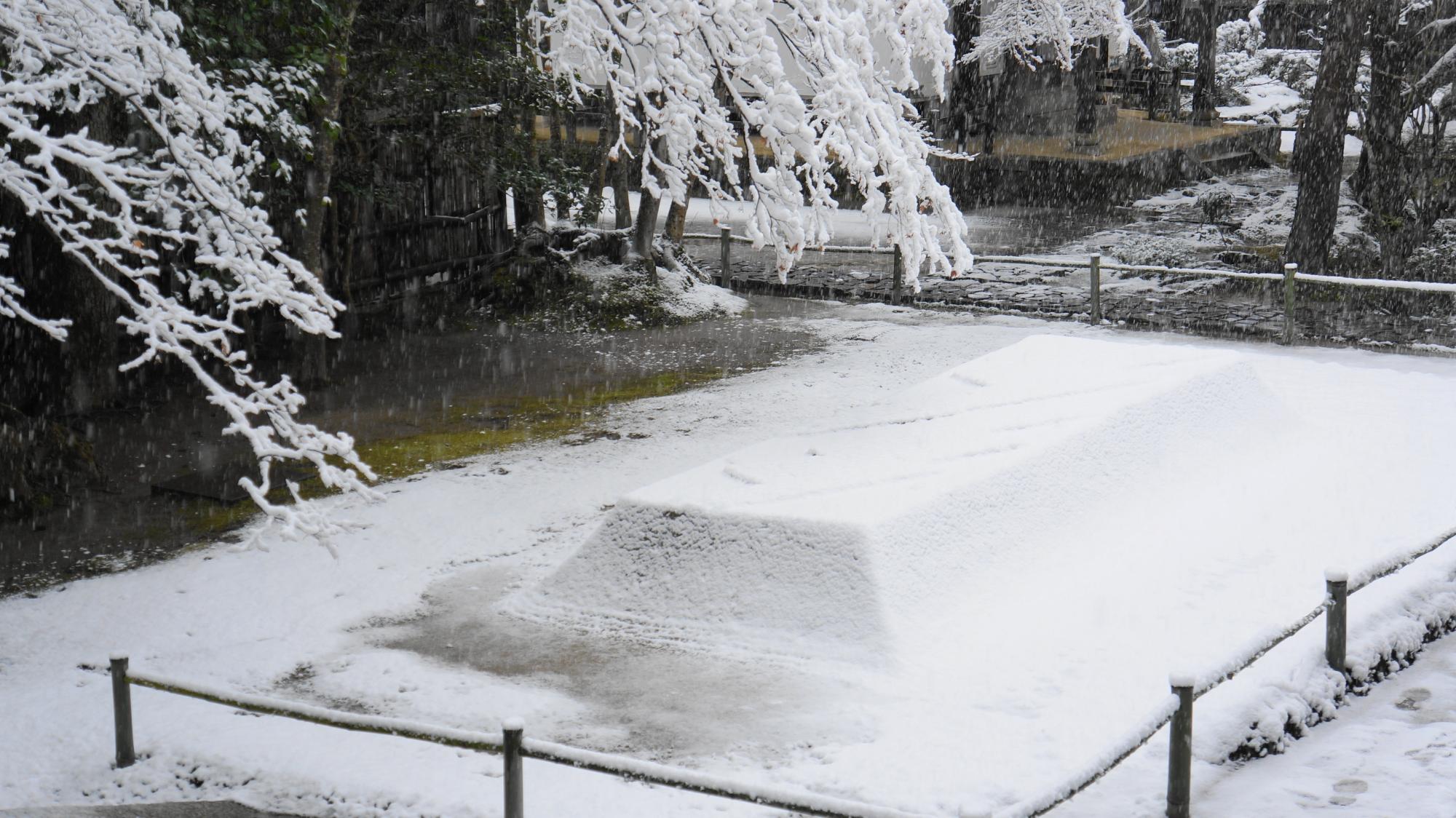 白砂壇(びゃくさだん)の雪景色