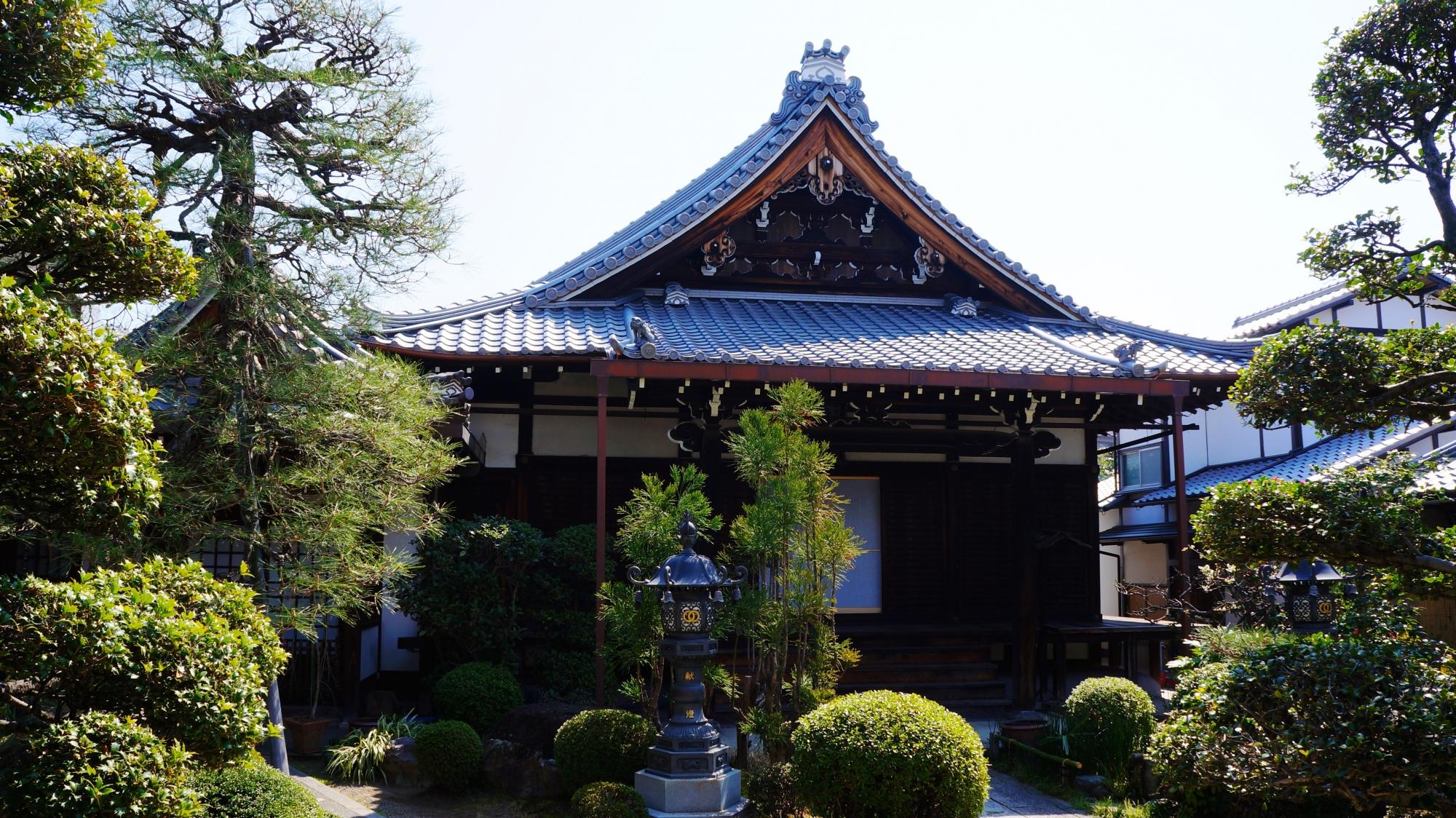 蓮光寺の本堂