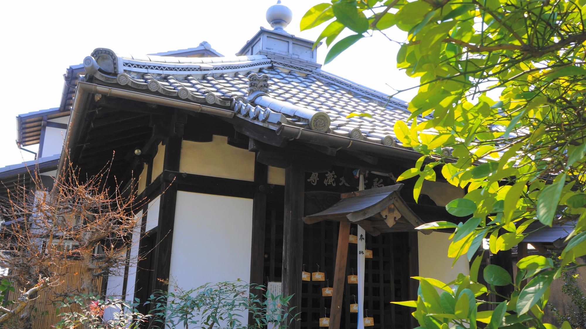 蓮光寺の地蔵堂