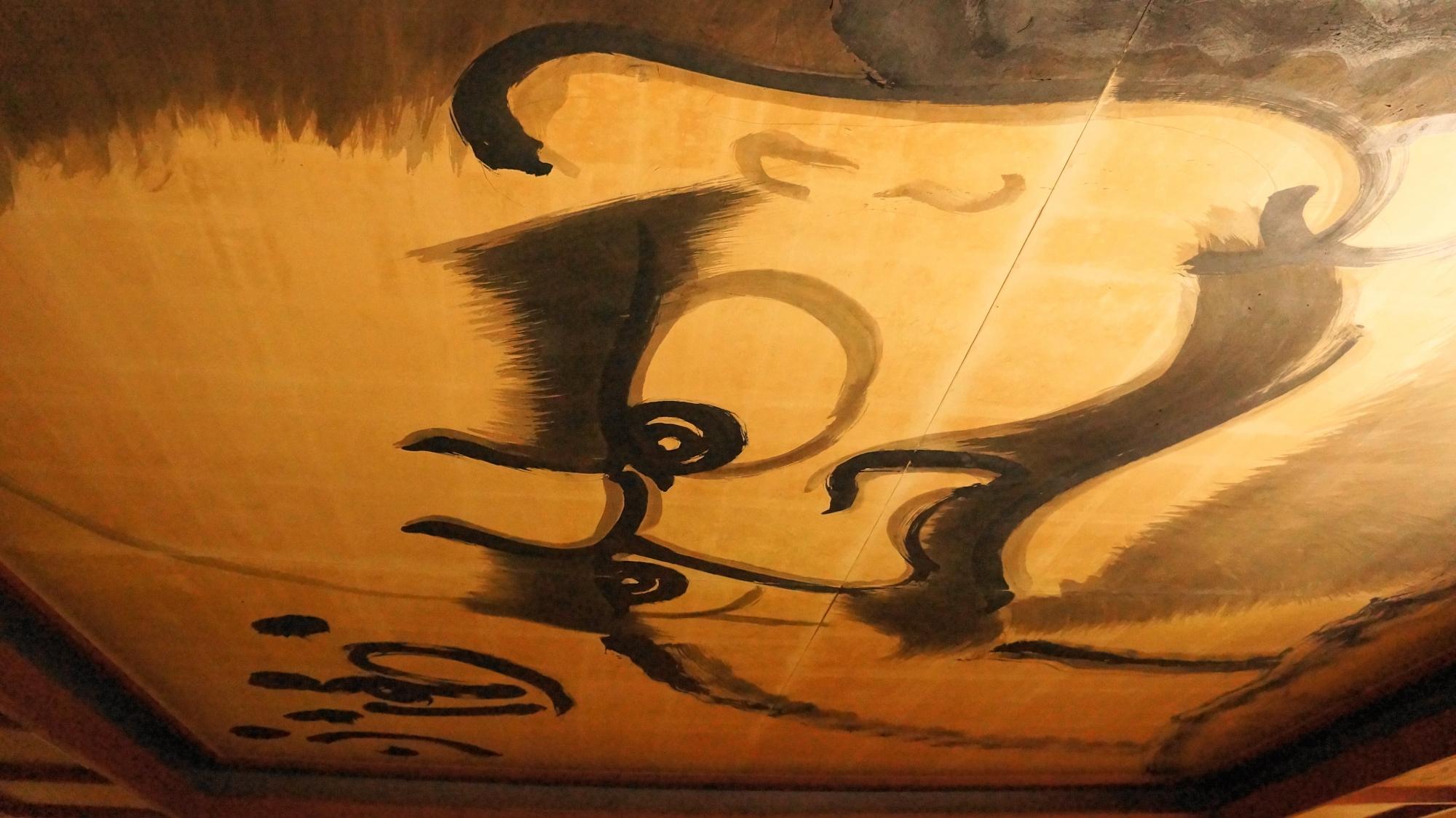 法輪寺(達磨寺)の衆聖堂の迫力の「達磨天井画」