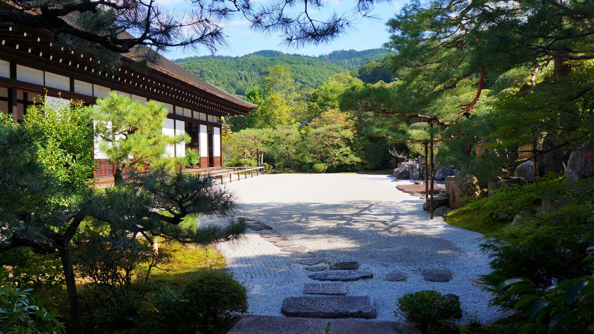 多彩な庭園と建造物の名所