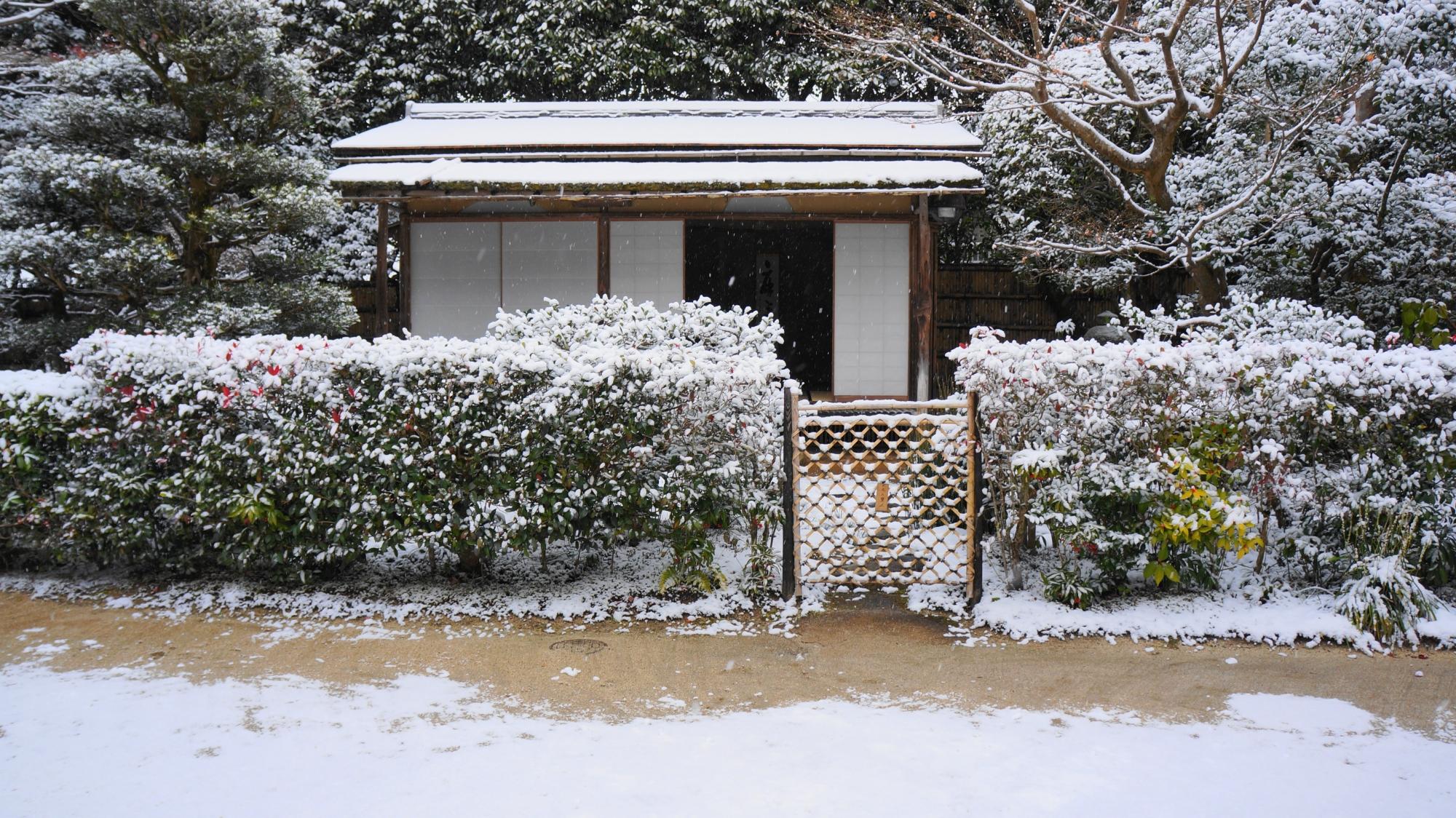 残月軒(ざんげつけん)の雪景色