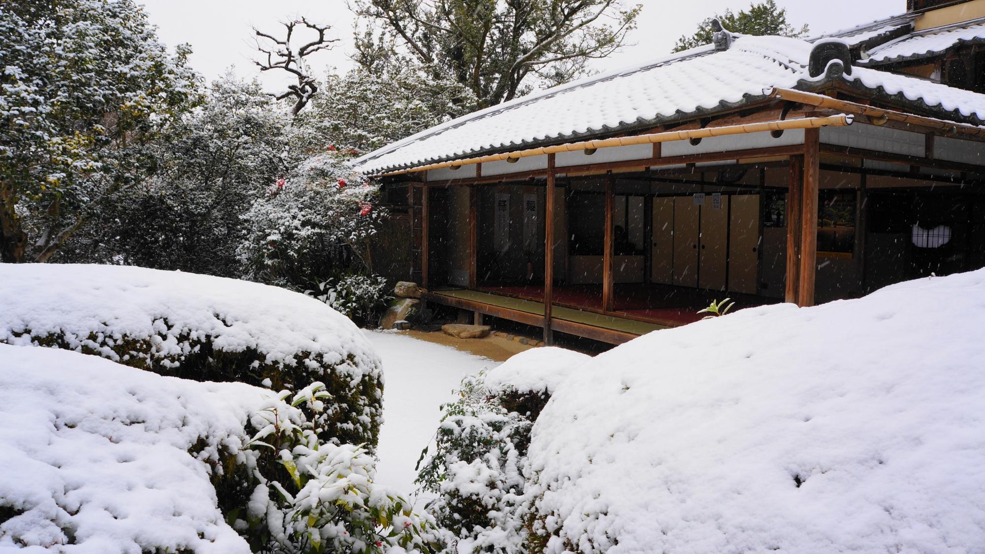 雪につつまれた書院の猟芸巣(至楽巣)
