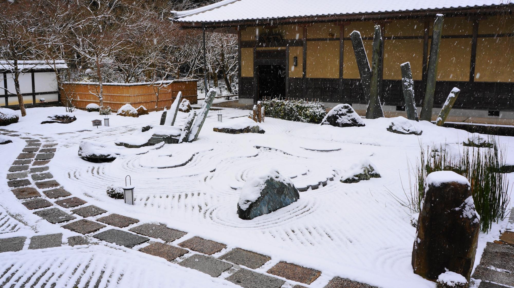 「奔龍庭(ほんりゅうてい)」の雪景色