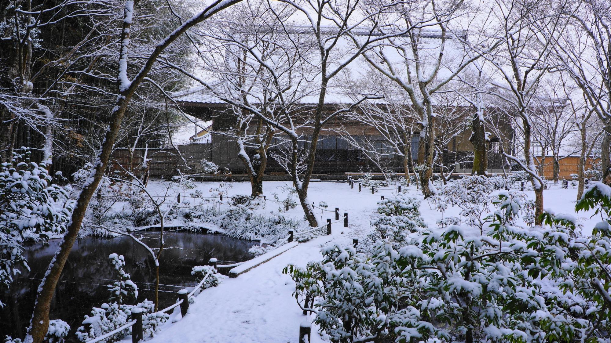 圓光寺の「瑞雲閣(ずいうんかく)」の雪景色