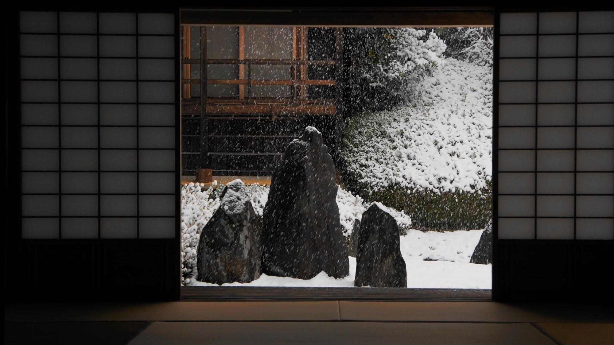 波心庭の雪景色