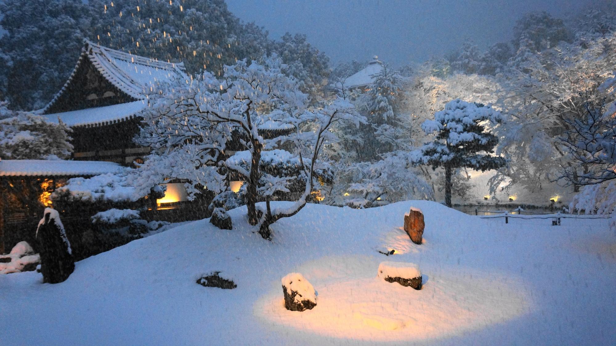 高画質 写真 高台寺 雪景色