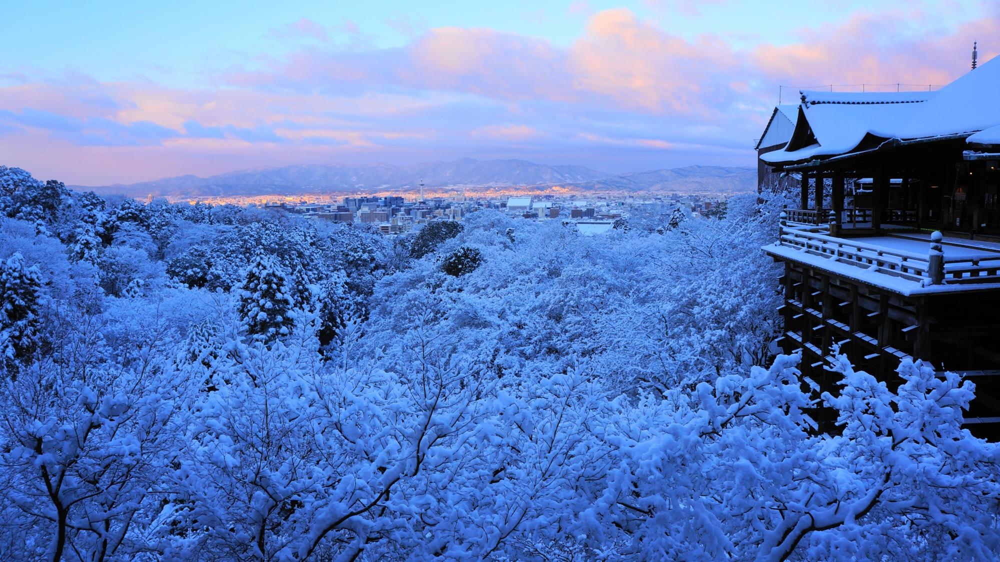 清水寺の雪の絶景