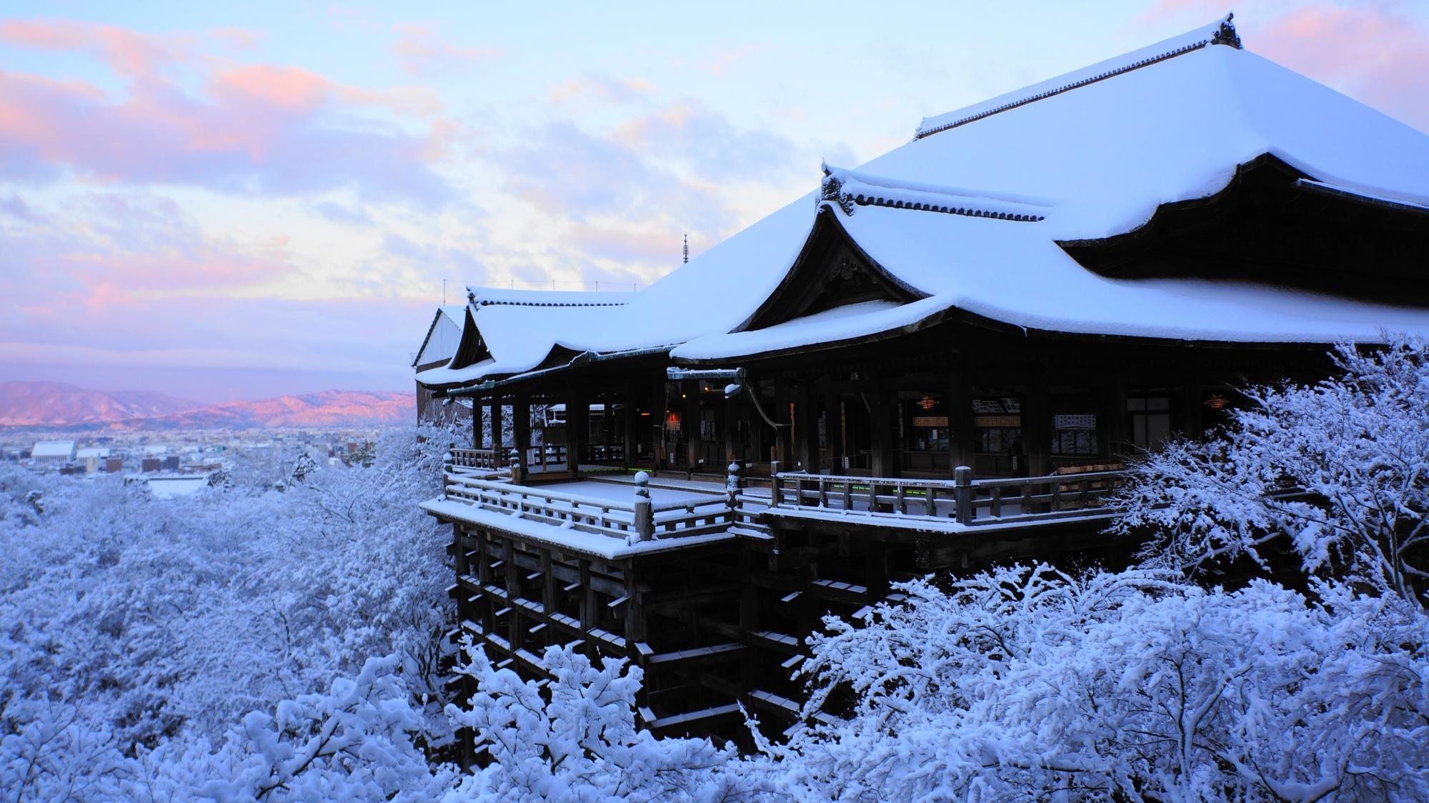 清水寺の素晴らしい雪景色