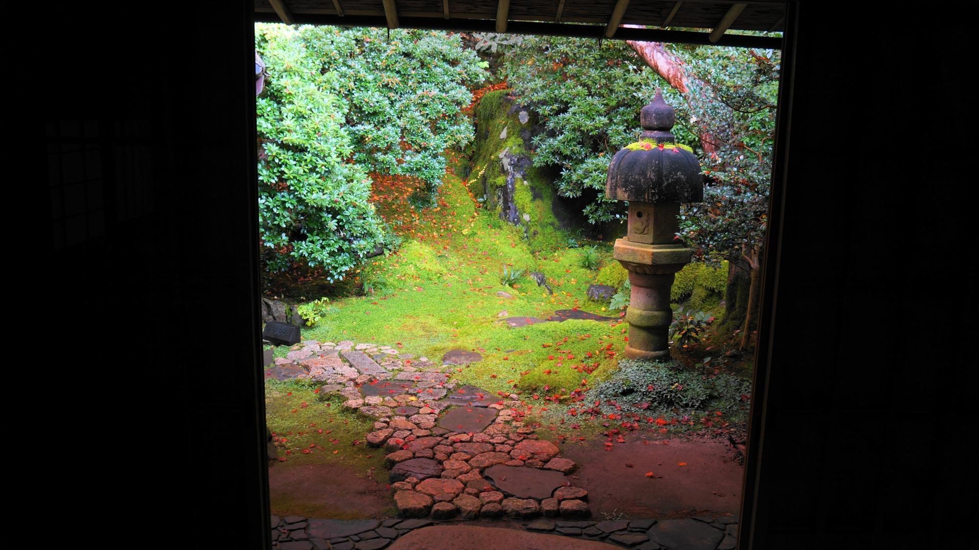 瑠璃光院の茶庵「喜鶴亭」の落ち着いた雰囲気に宿る美しさ
