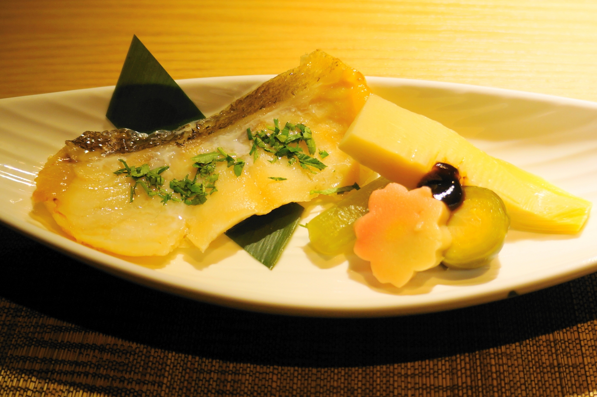 御幸町にある京風創作和食川村料理平の「主菜 めばる木の芽焼き&生麩の田楽」