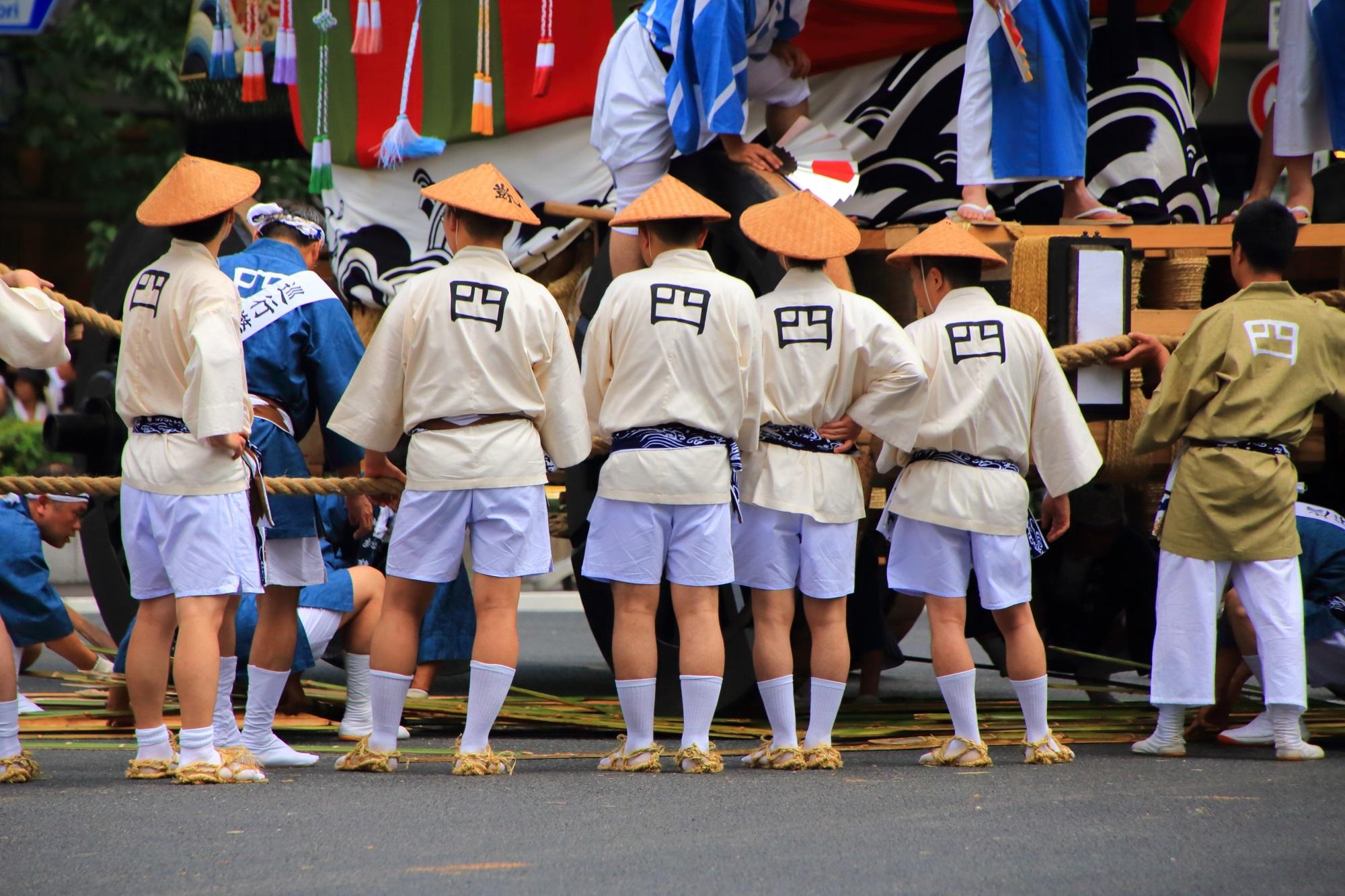 祇園祭後祭の山鉾巡行の大船鉾(おおふねほこ)の辻回し 7月24日