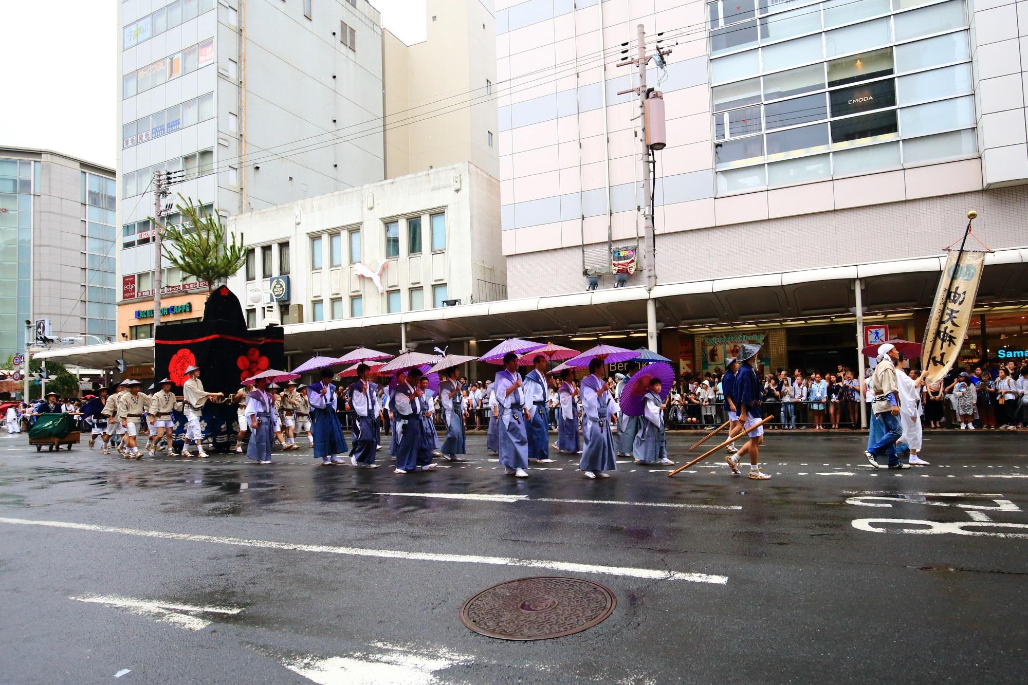 祇園祭の山鉾巡行の油天神山(あぶらてんじんやま)