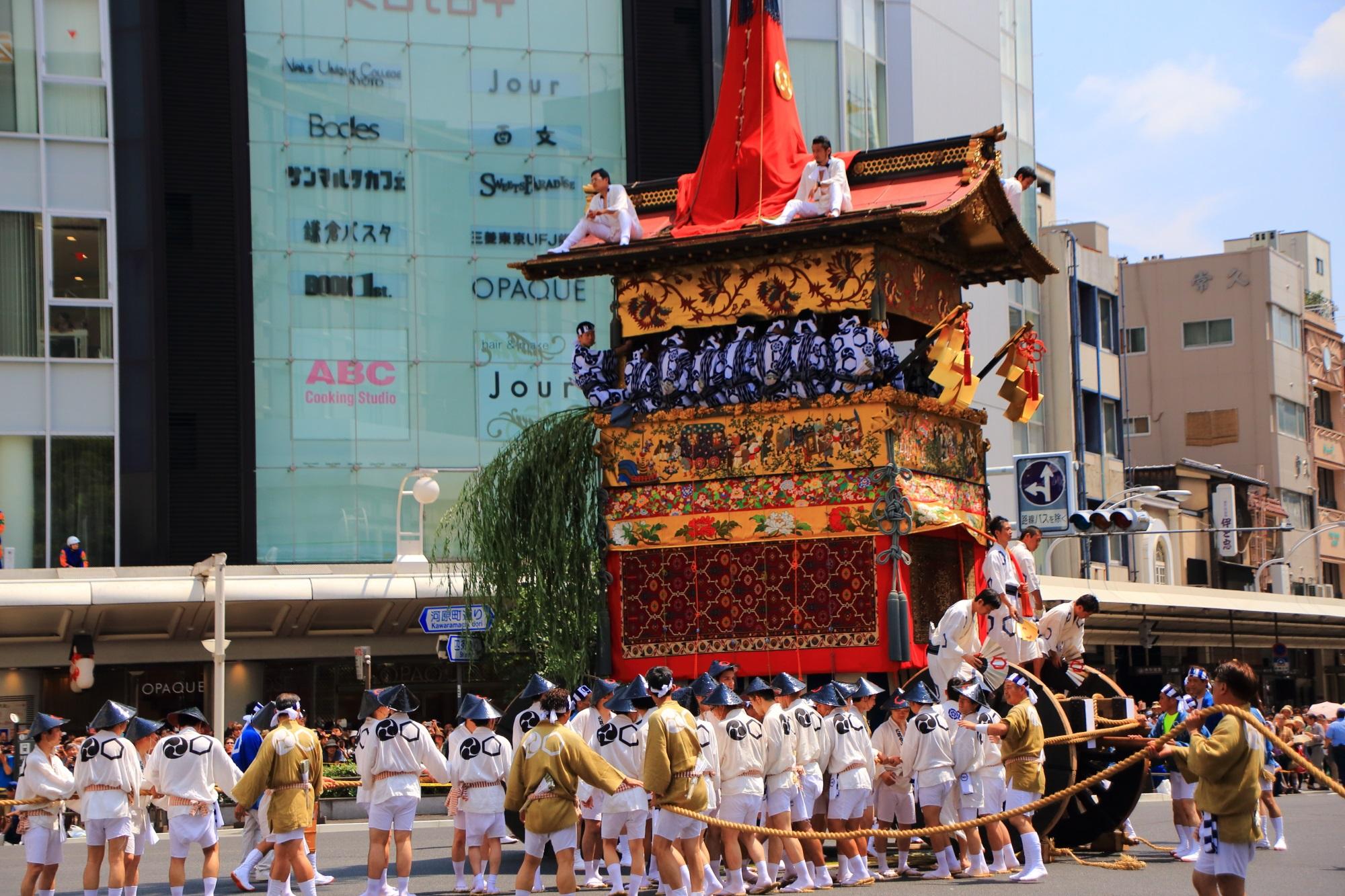 祇園祭後祭の山鉾巡行の北観音山(きたかんのんやま)