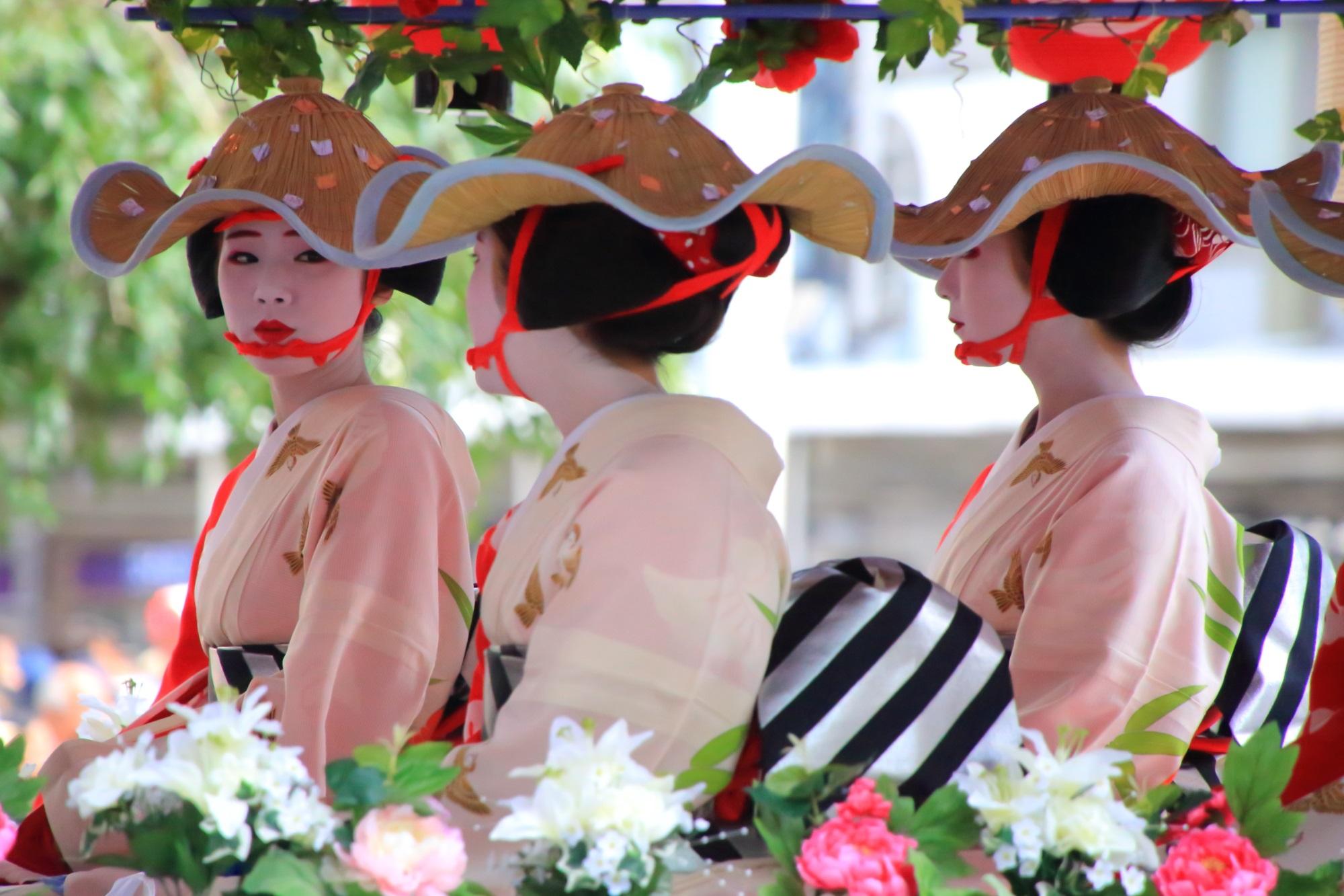 祇園祭の花傘巡行の舞妓さん(祇園甲部)
