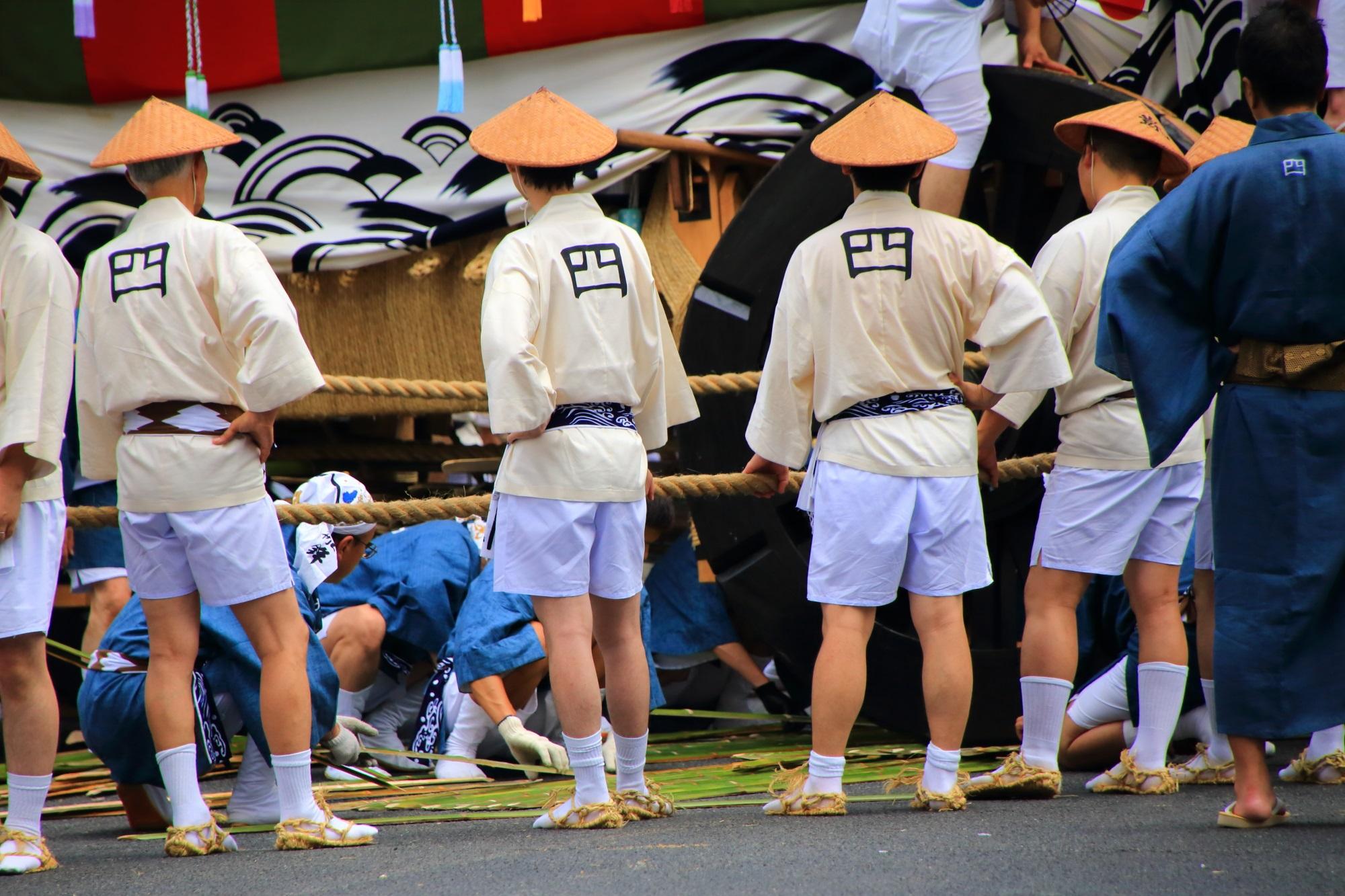 祇園祭後祭の山鉾巡行の大船鉾(おおふねほこ)の辻回し