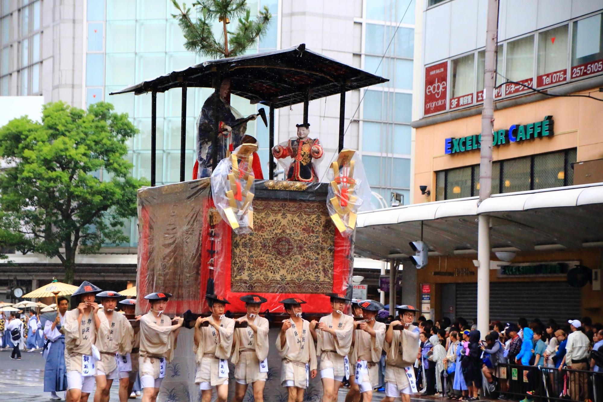 祇園祭の山鉾巡行の郭巨山(かっきょやま)