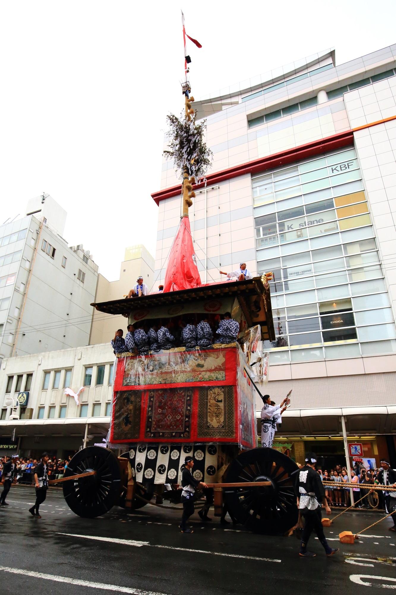 祇園祭の山鉾巡行の函谷鉾