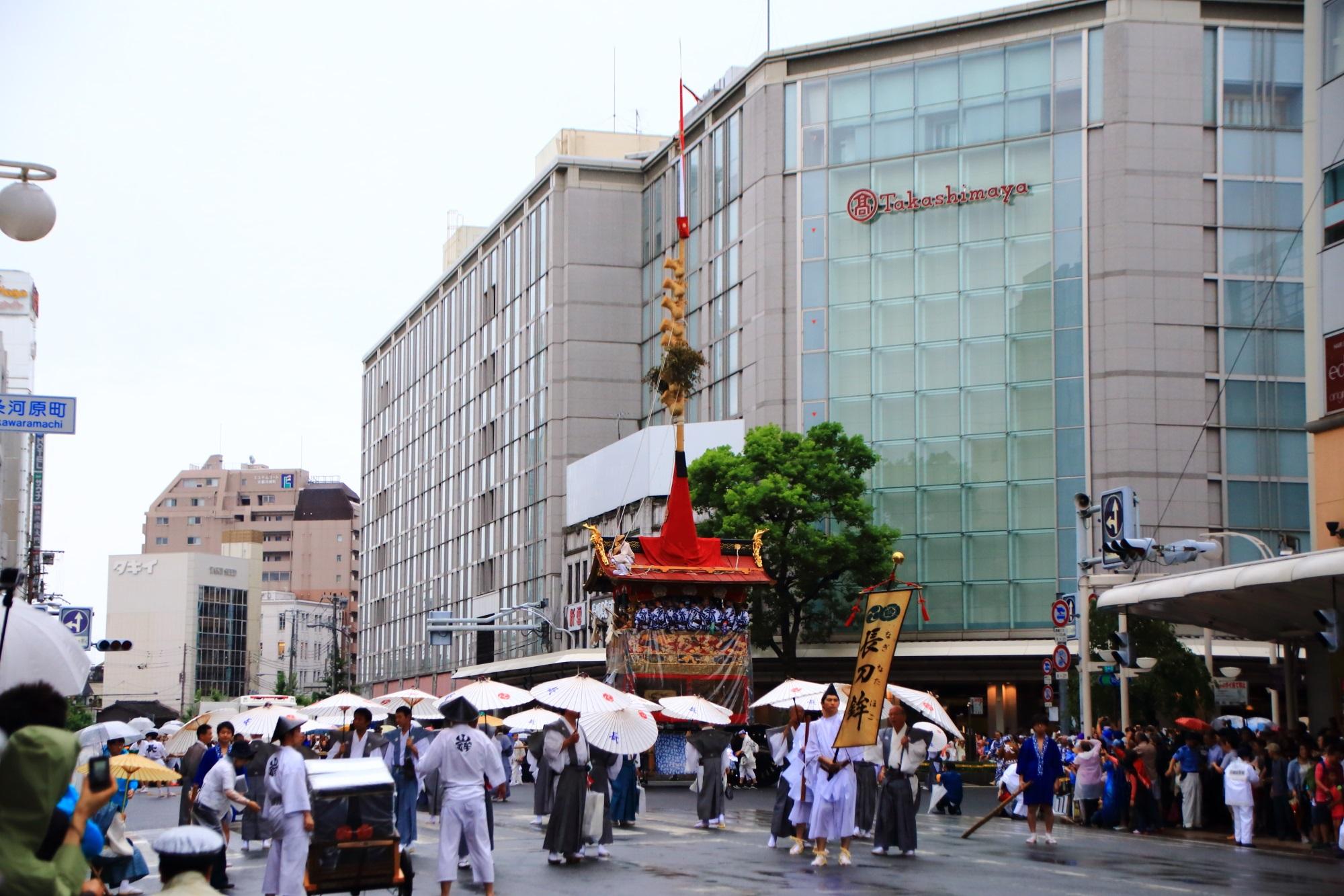 祇園祭の山鉾巡行の長刀鉾