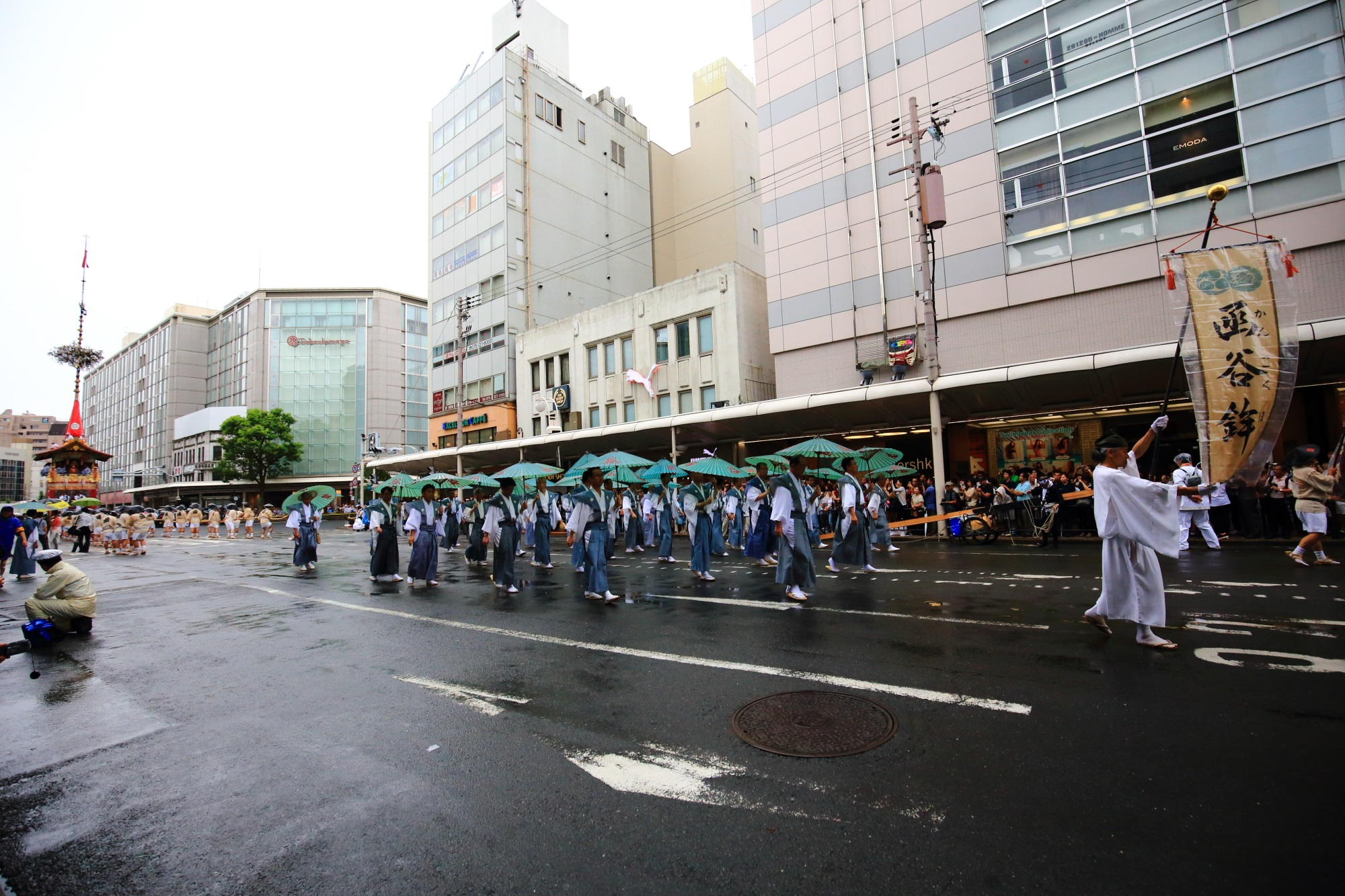 祇園祭の山鉾巡行の函谷鉾(かんこほこ)