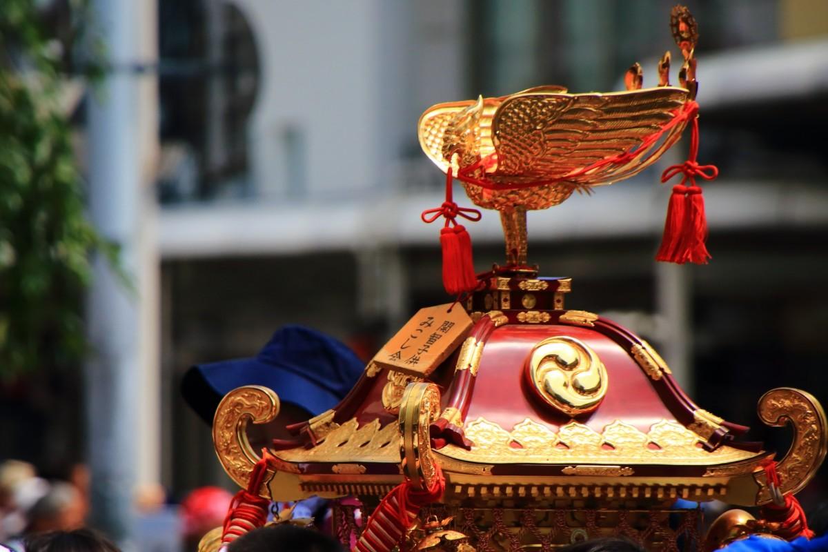 祇園祭の花傘巡行の子供神輿