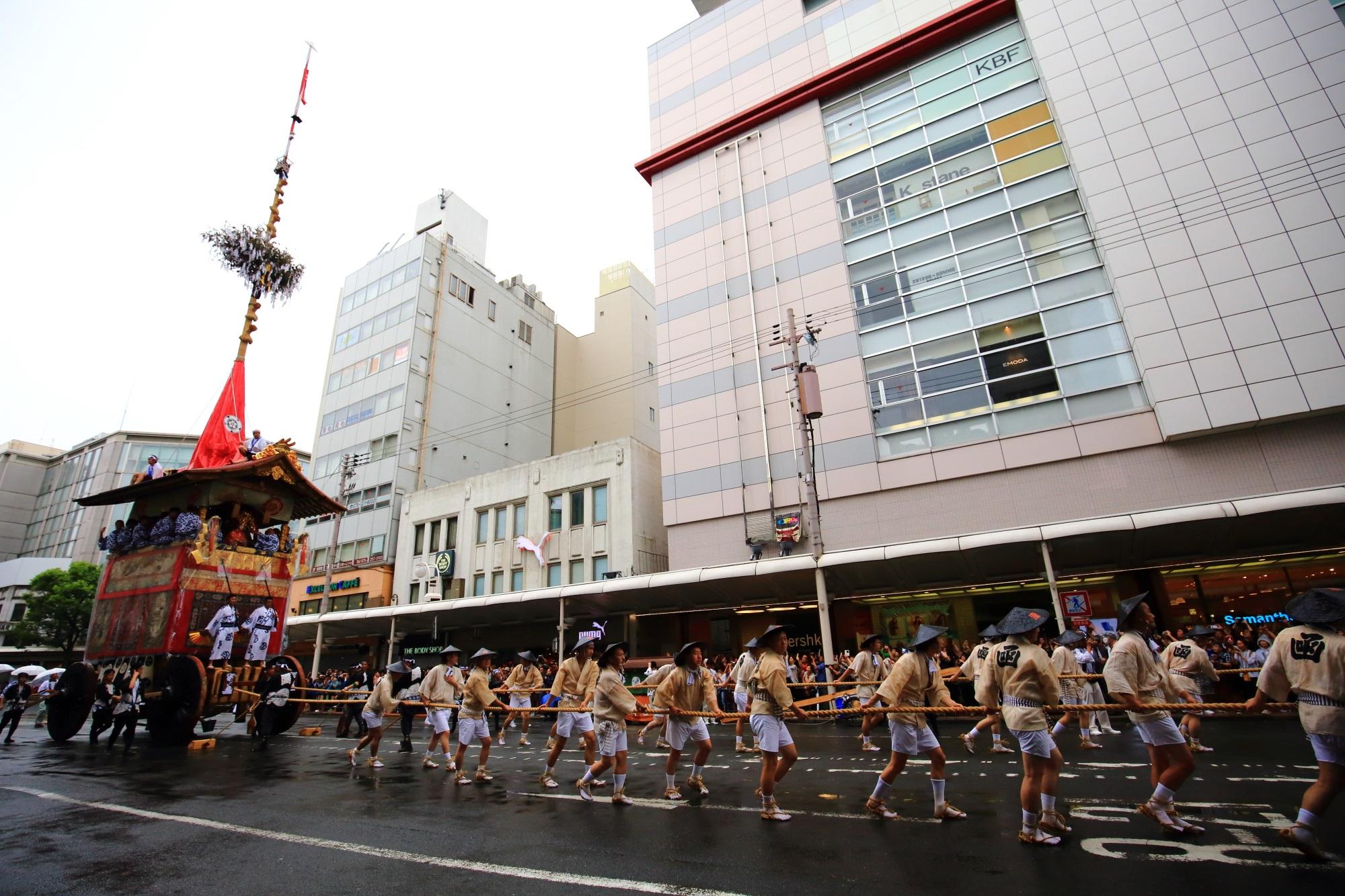 祇園祭山鉾巡行の函谷鉾(かんこほこ)