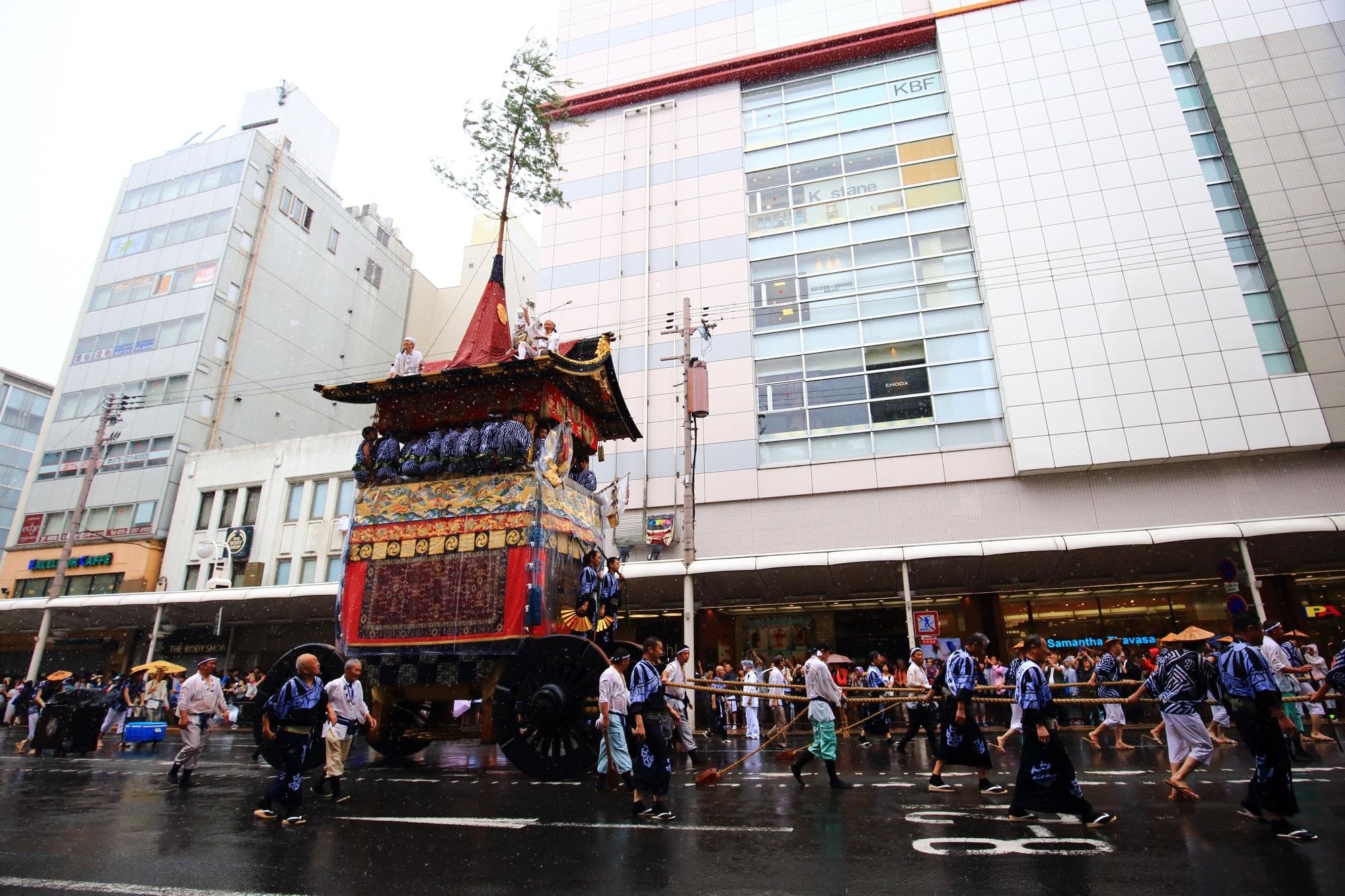 祇園祭の山鉾巡行(前祭)の岩戸山(いわとやま)
