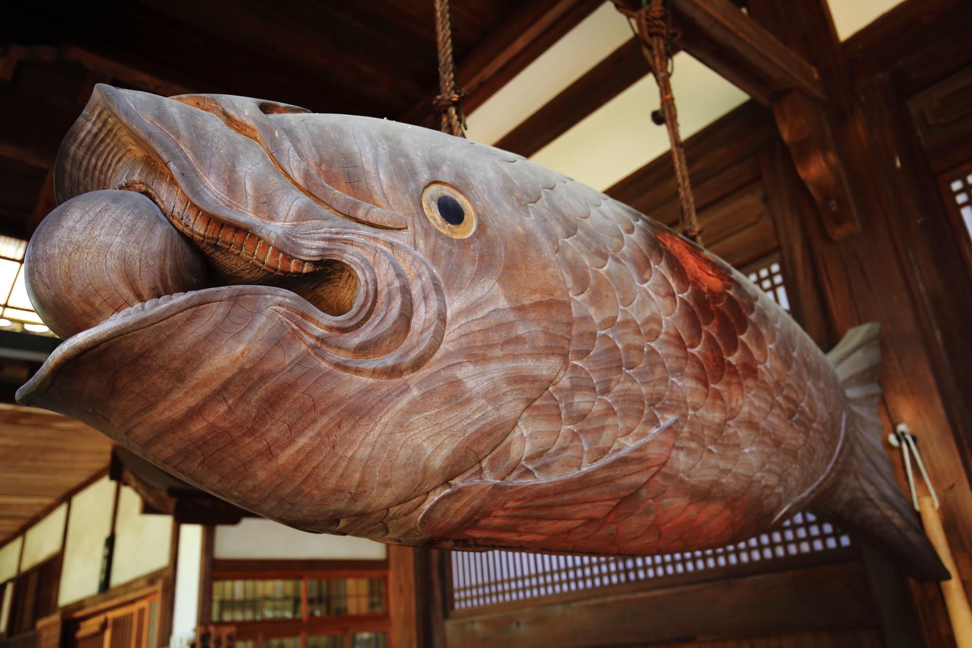 現在も利用されている時刻を知らせる法具である萬福寺の魚の開版(かいぱん)
