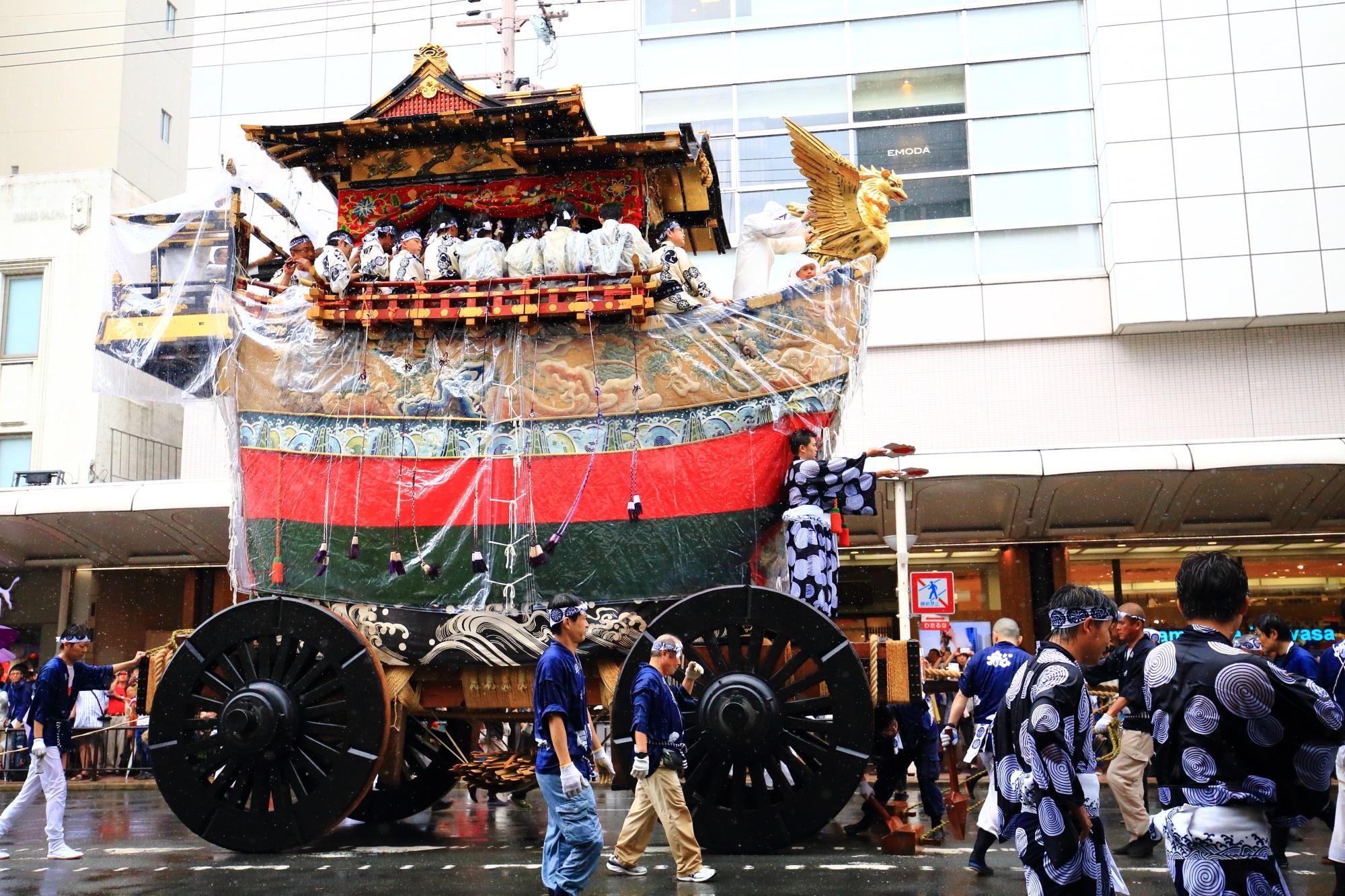 祇園祭山鉾巡行の船鉾(ふねほこ)