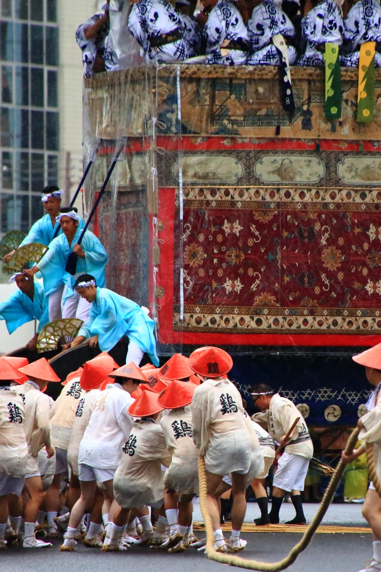 祇園祭の山鉾巡行(前祭)の鶏鉾(にわとりほこ・とりほこ)
