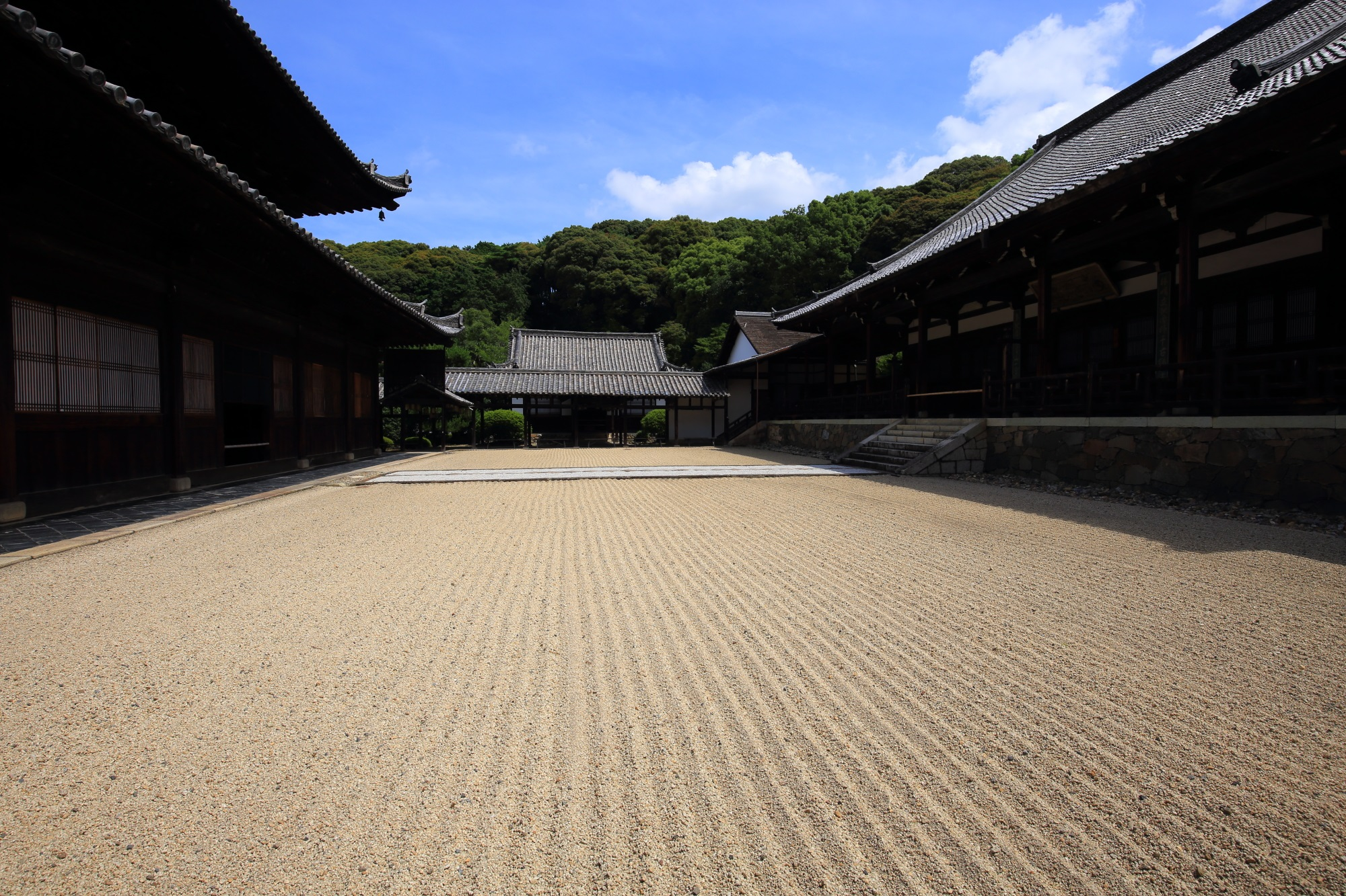 優雅な空間が広がる萬福寺の大雄宝殿と法堂