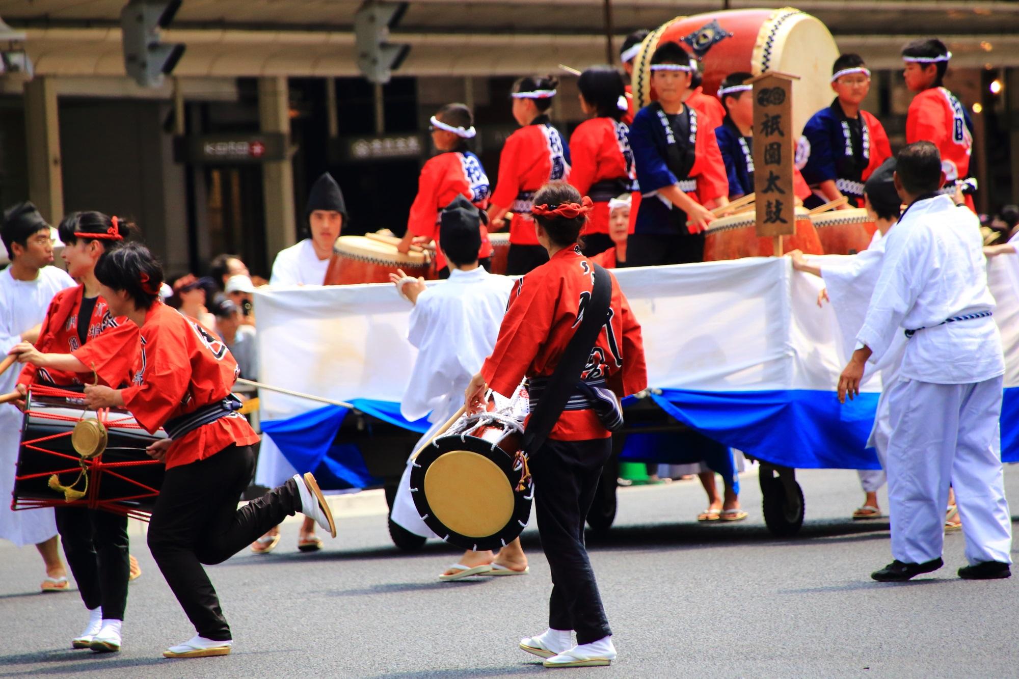 祇園祭の花傘巡行の祇園太鼓