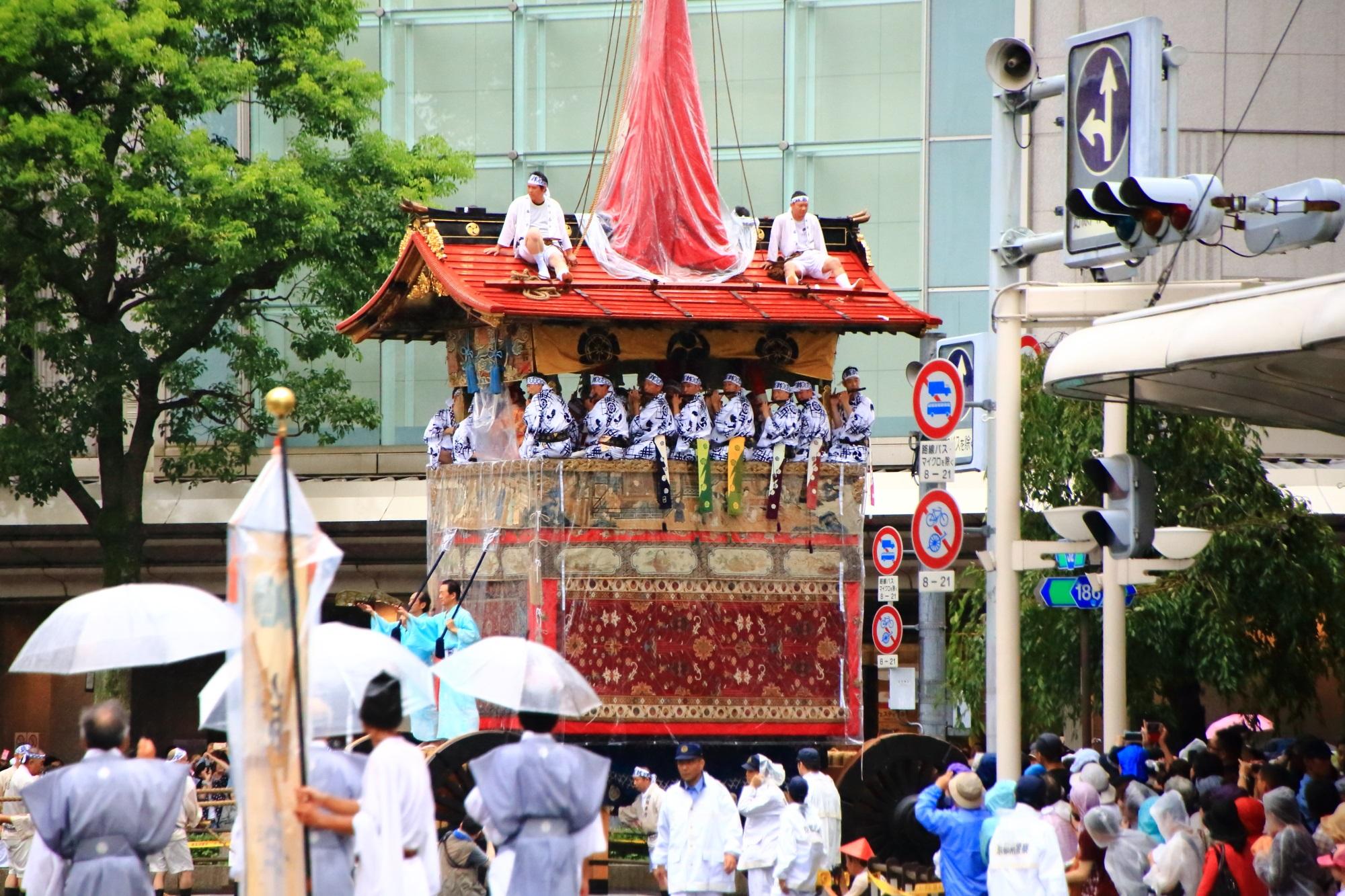 祇園祭山鉾巡行の鶏鉾(にわとりほこ・とりほこ)