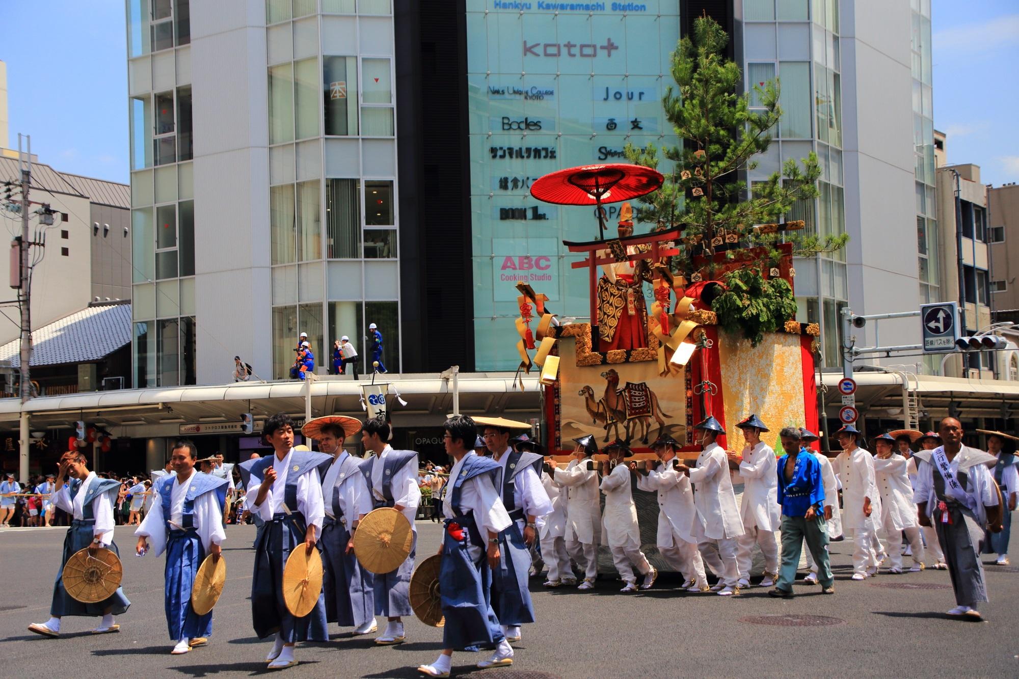 祇園祭後祭の山鉾巡行の鹿山(すずかやま)