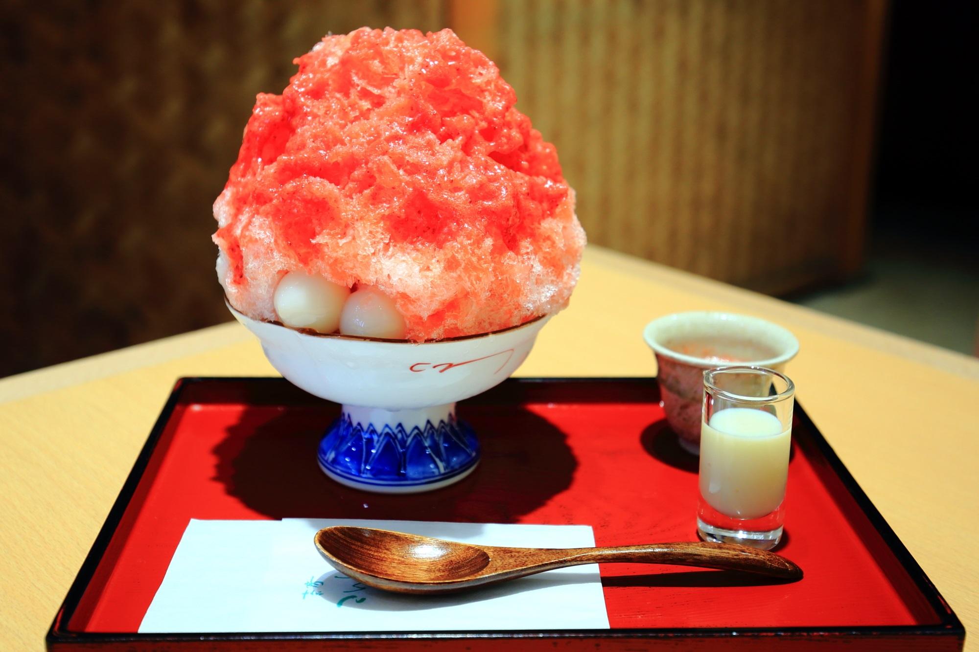 祇園小石 わがまま氷あまおう味 甘味処 家傳京飴 かき氷