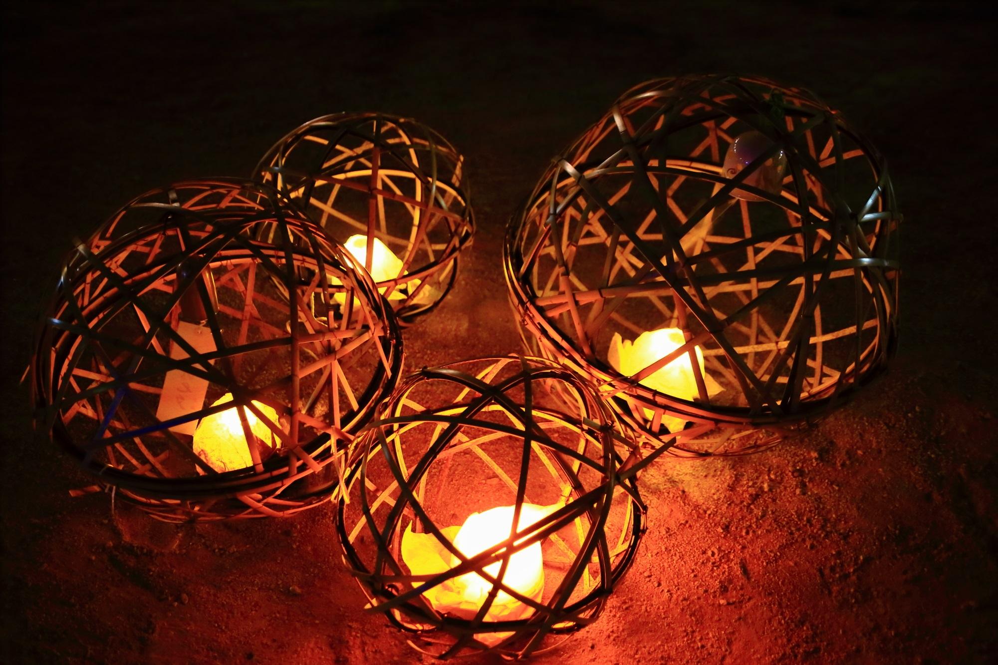 京の七夕鴨川会場の幻想的な風鈴灯