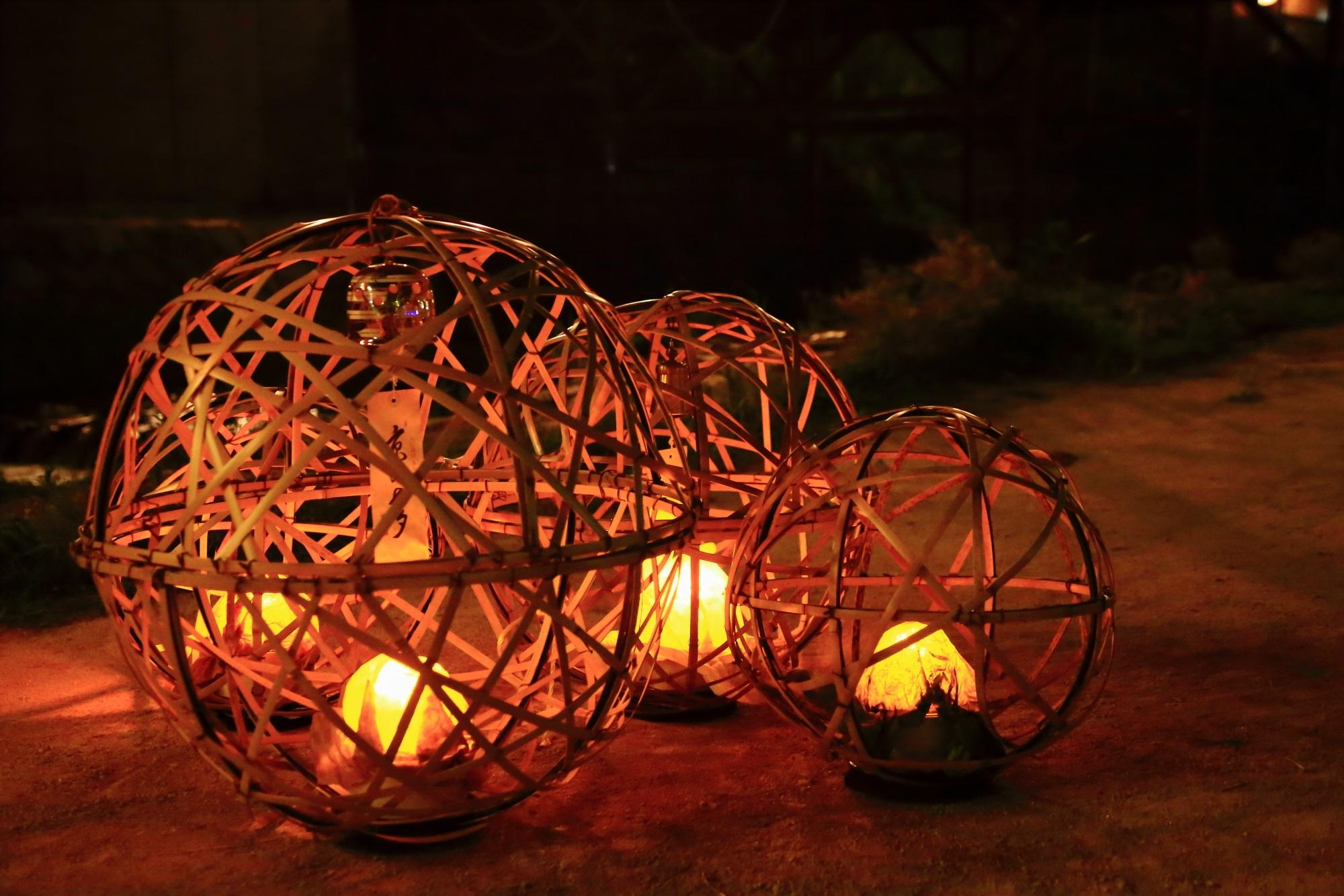 京都の夏の風物詩の京の七夕鴨川会場の風鈴灯