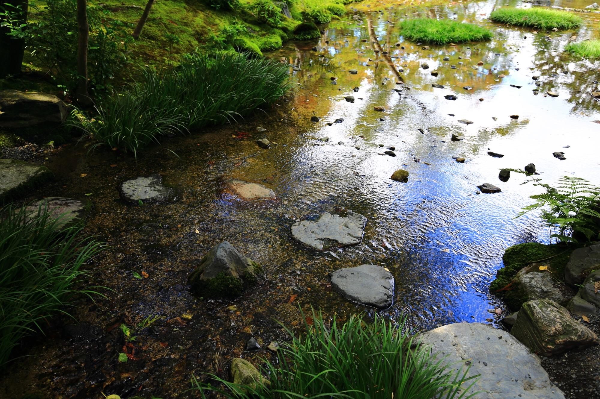 無鄰菴(むりんあん)の美しい池泉回遊式庭園 2015年8月