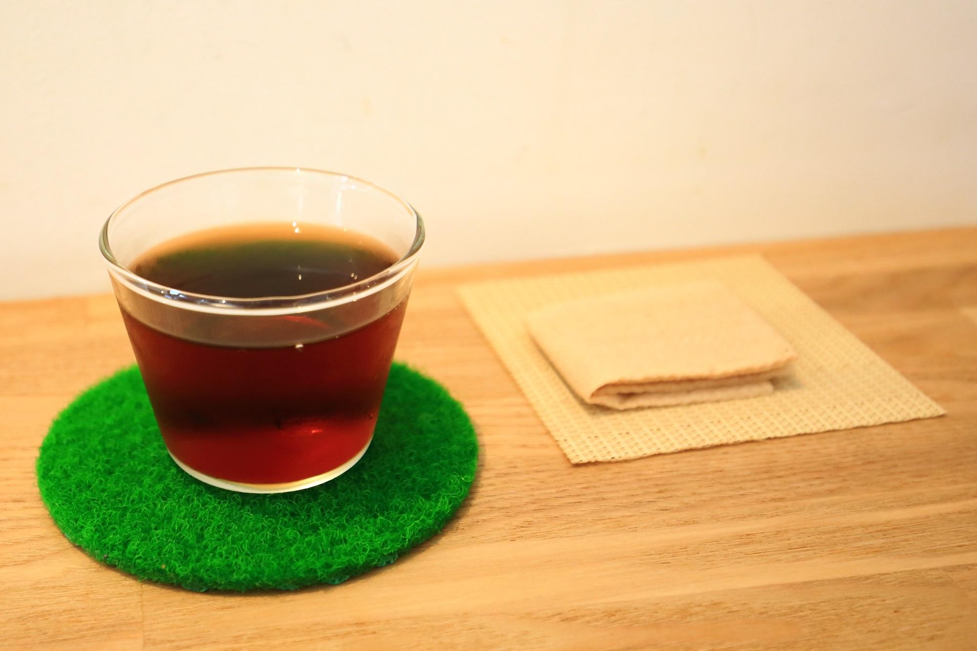手織り寿しで有名なAWOMB (アウーム)のお茶