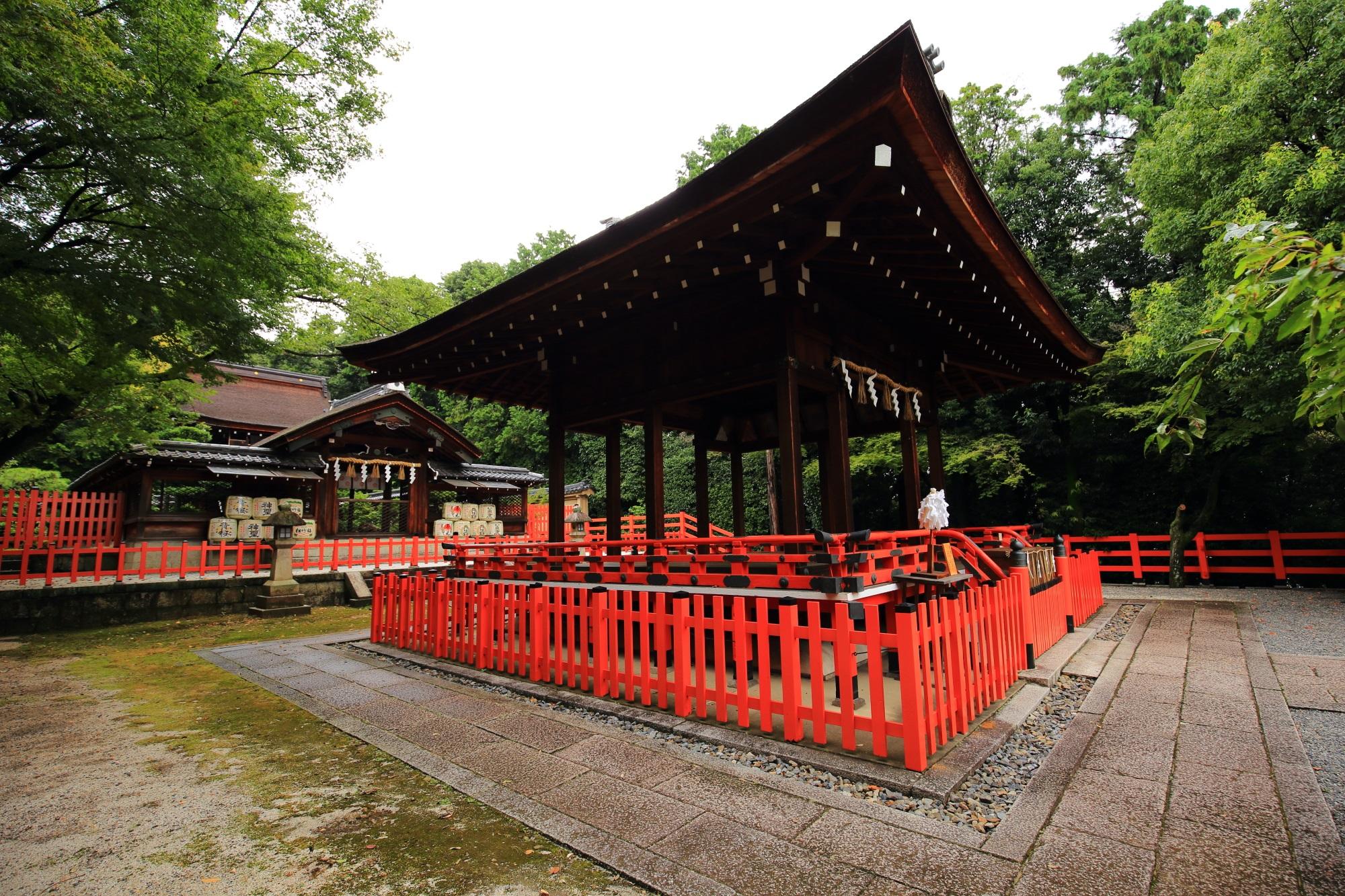 織田信長を神とする建勲神社の拝殿